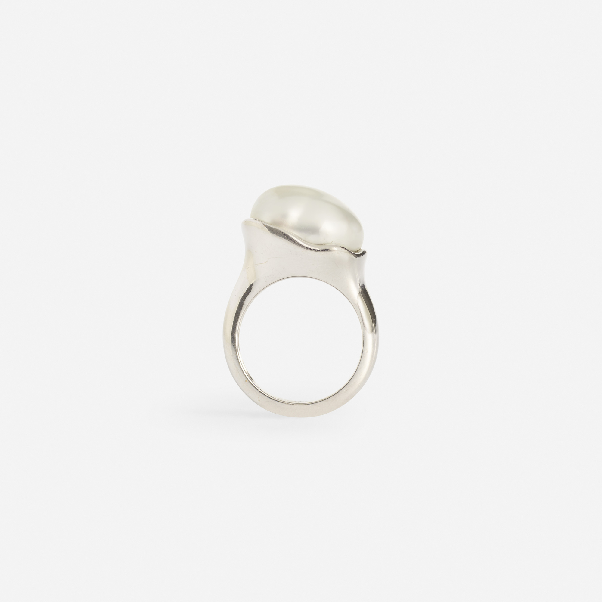 227: Elsa Peretti for Tiffany & Co. / A gold and Keshi pearl ring (1 of 2)