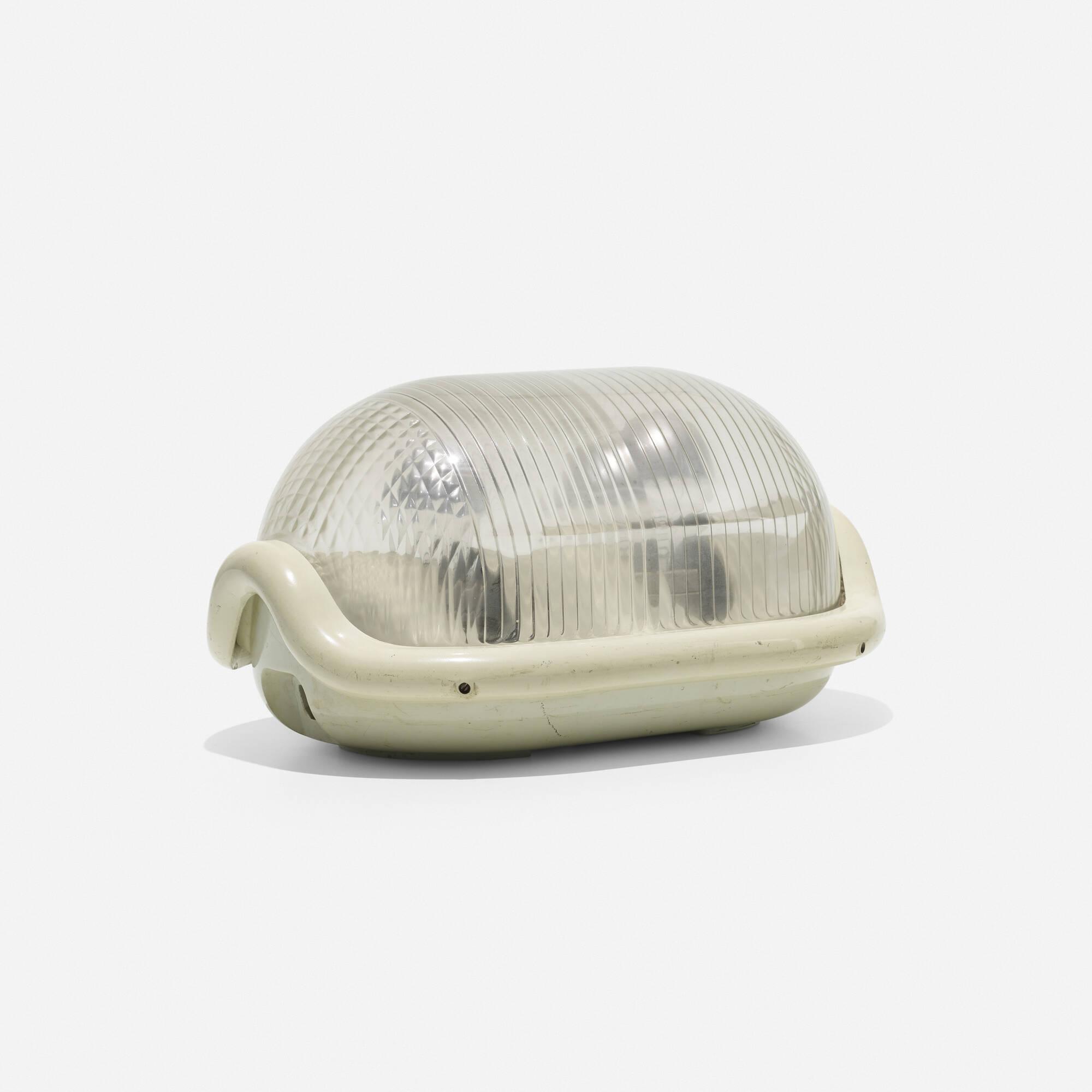 227: Achille Castiglioni / Noce lamp (1 of 2)