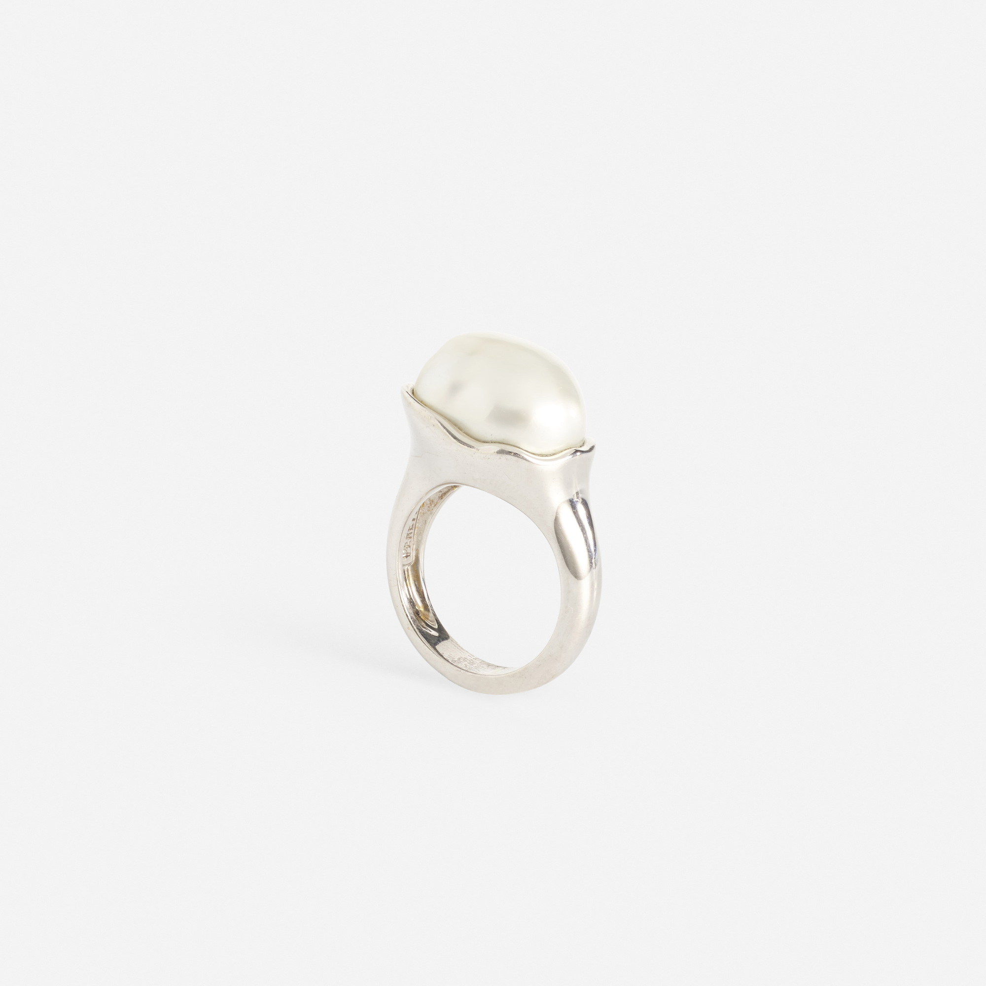 227: Elsa Peretti for Tiffany & Co. / A gold and Keshi pearl ring (2 of 2)
