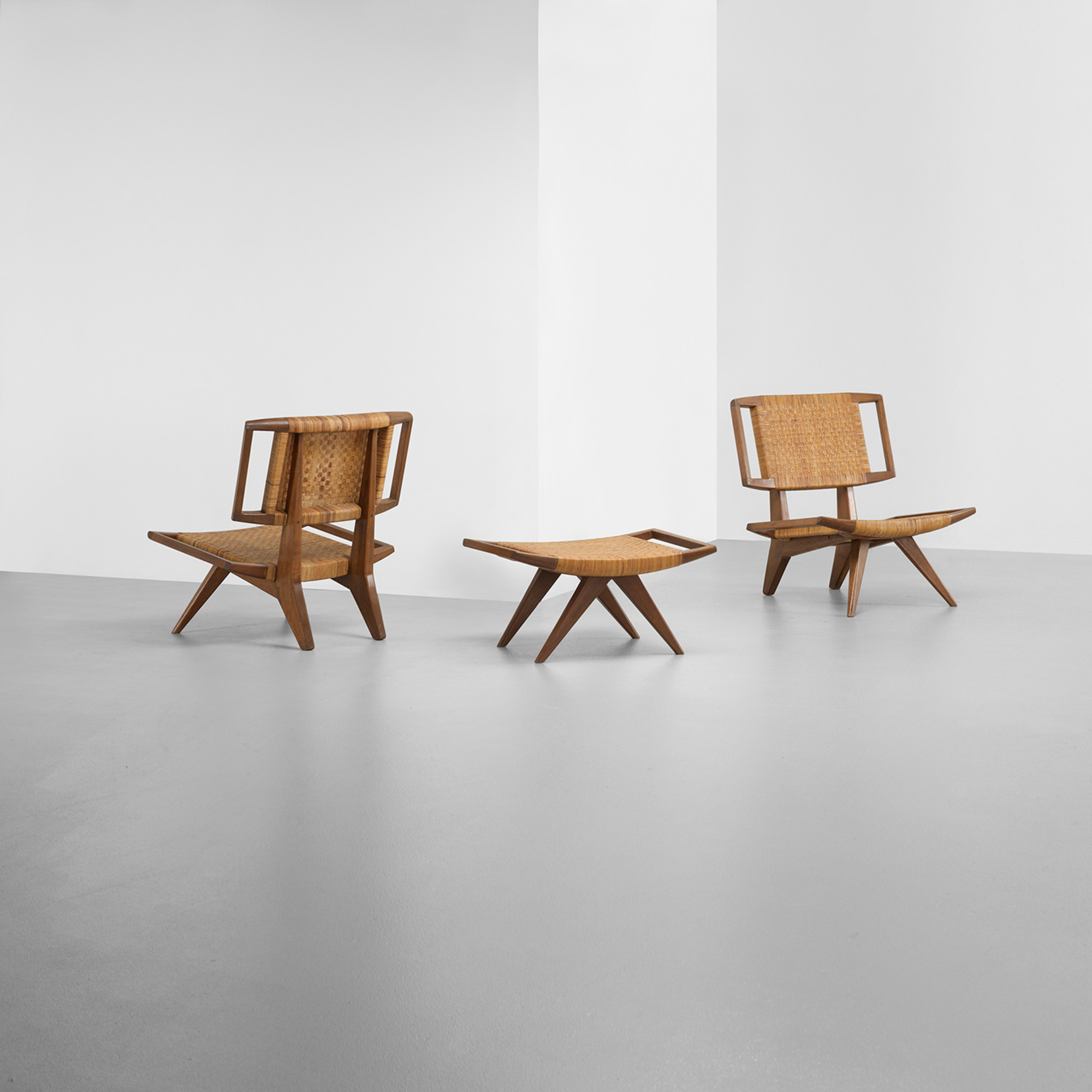 229: Paul Laszlo / pair of lounge chairs and ottoman (3 of 3)