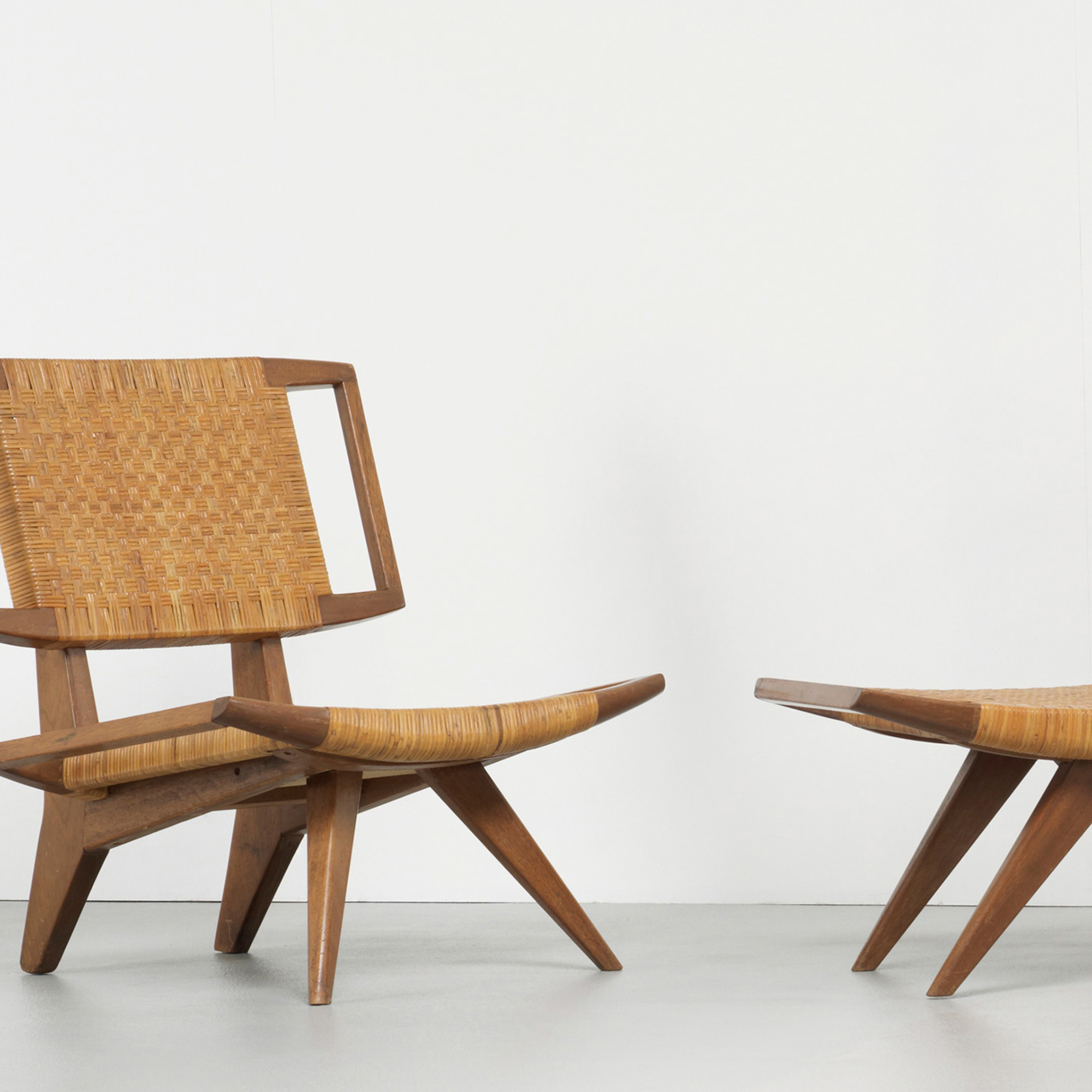 229: Paul Laszlo / pair of lounge chairs and ottoman (2 of 3)