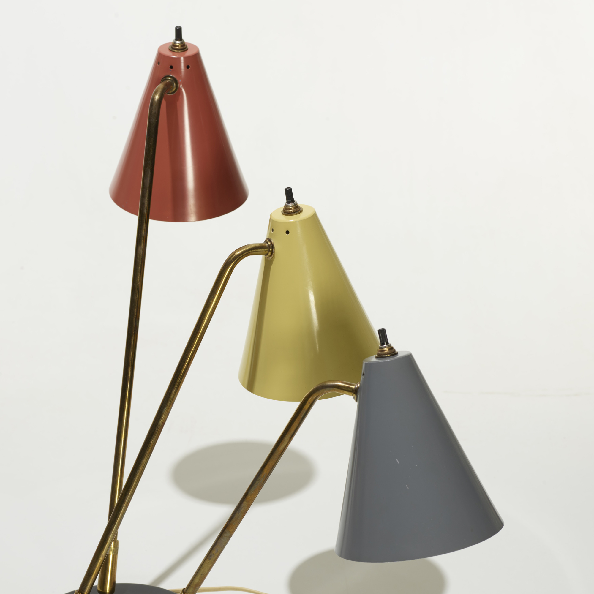 237: American / table lamps, pair (2 of 2)