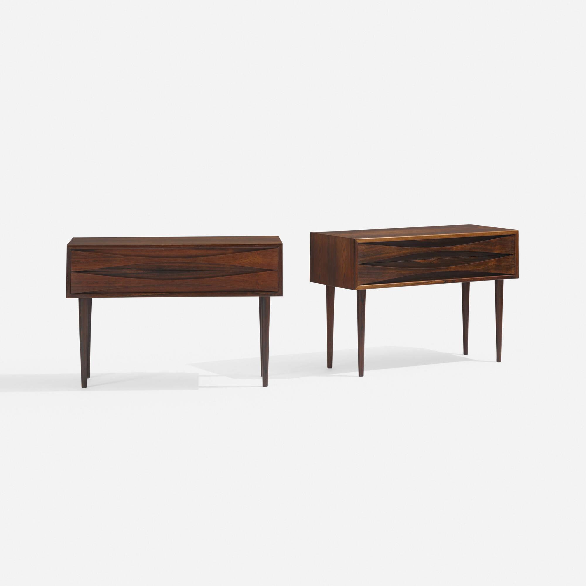 239: Arne Vodder / nightstands, pair (2 of 3)