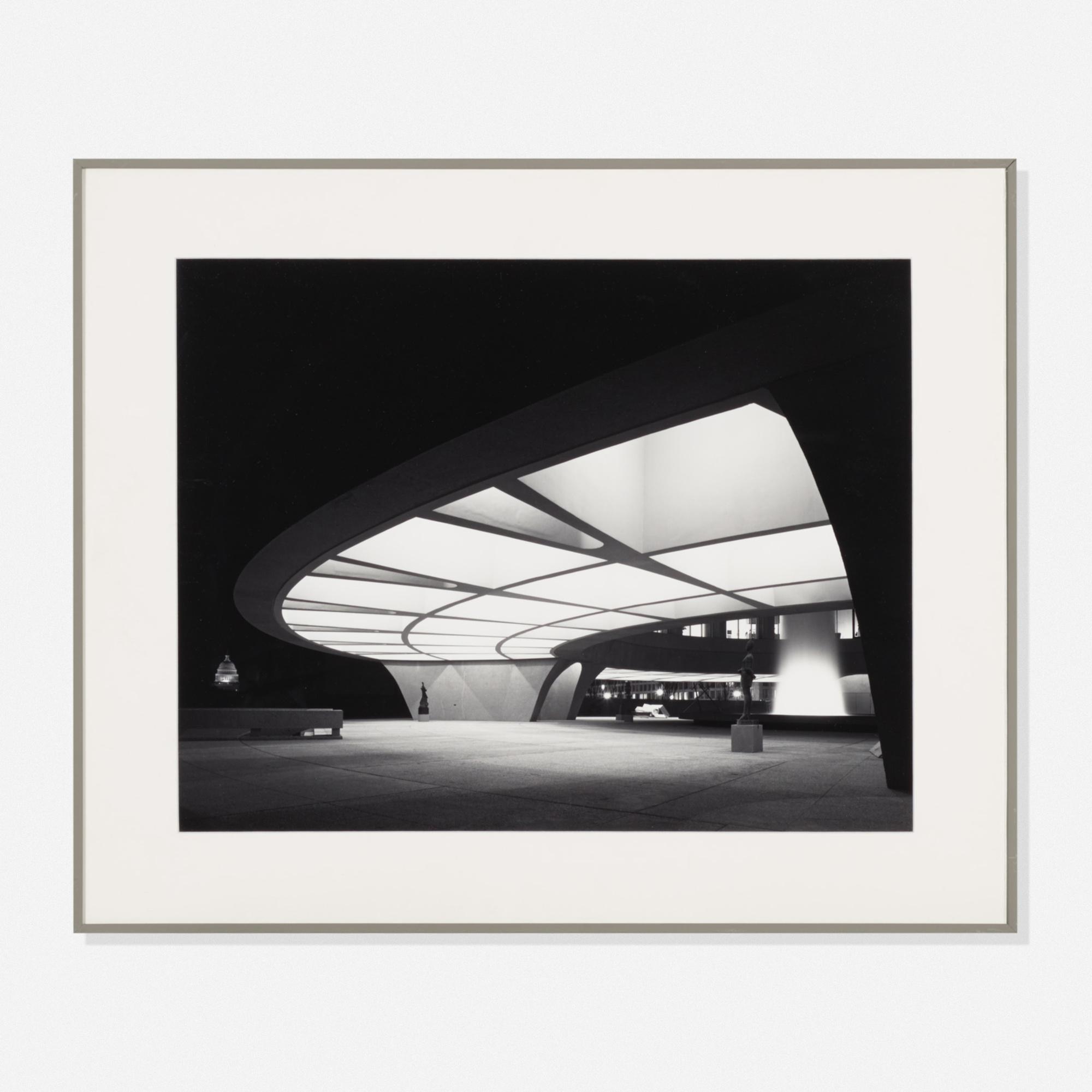241: Ezra Stoller / Hirshhorn Museum, Washington, DC Arch: SOM (1 of 1)