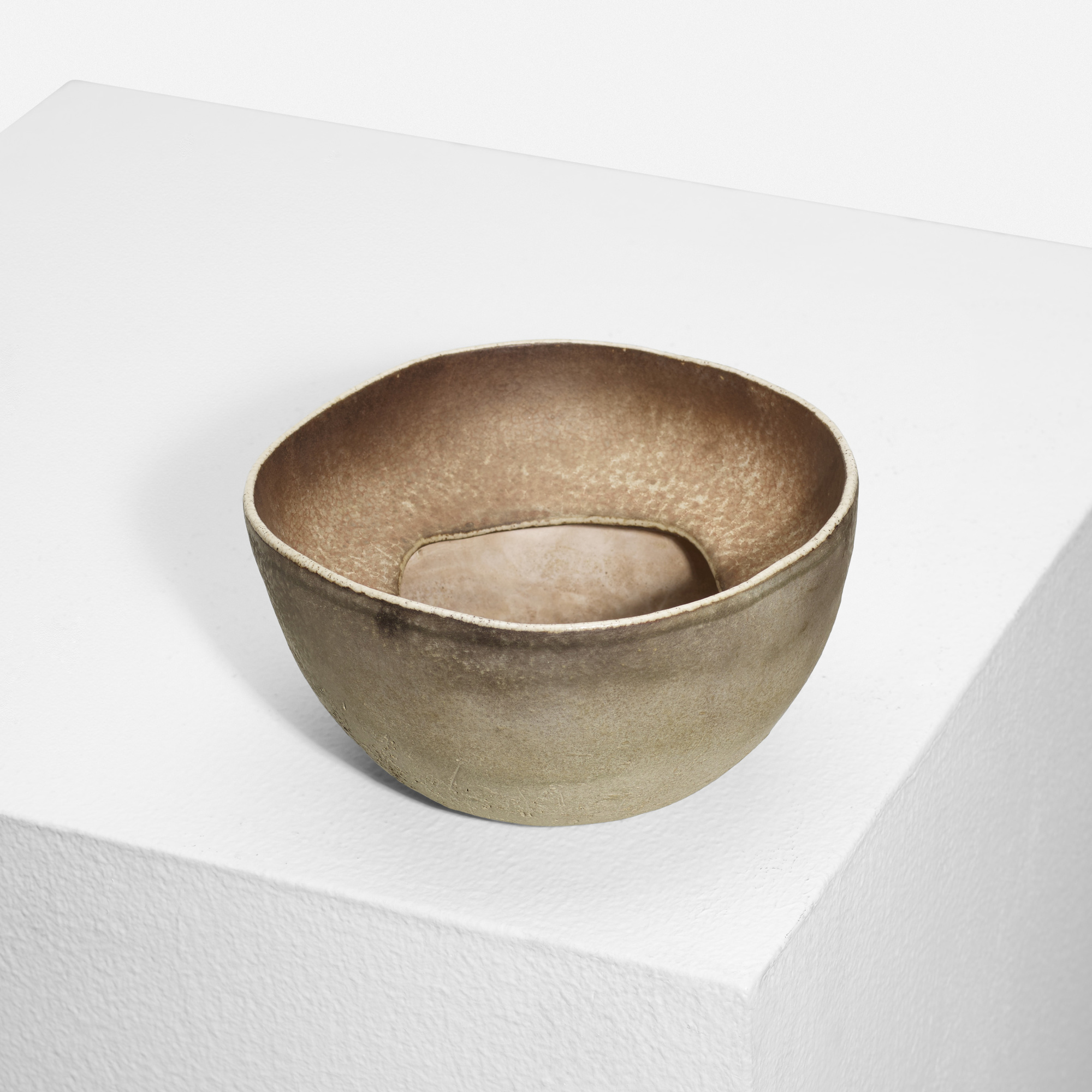 242: Richard DeVore / bowl (1 of 2)