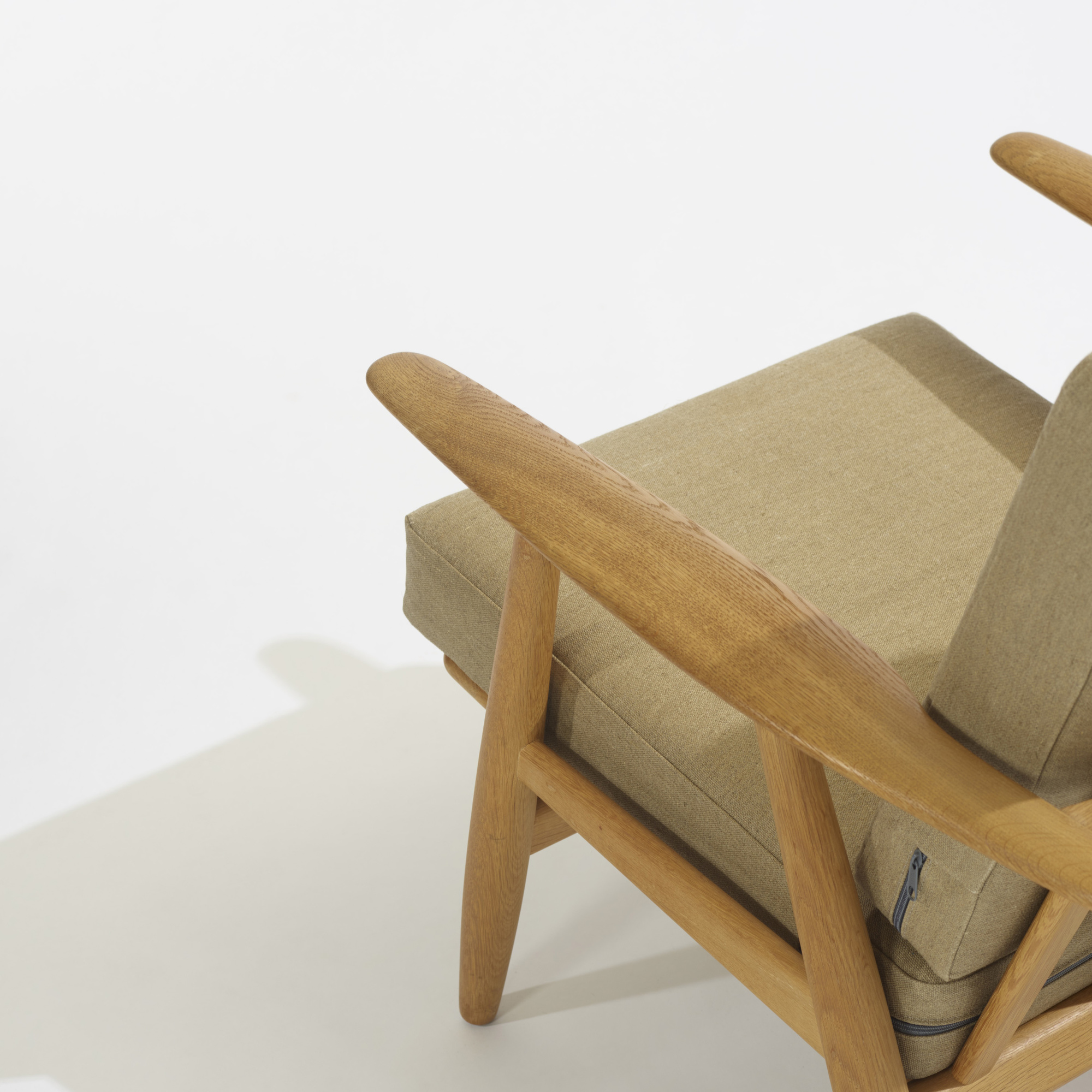 242: Hans J. Wegner / lounge chairs model GE240, pair (3 of 4)