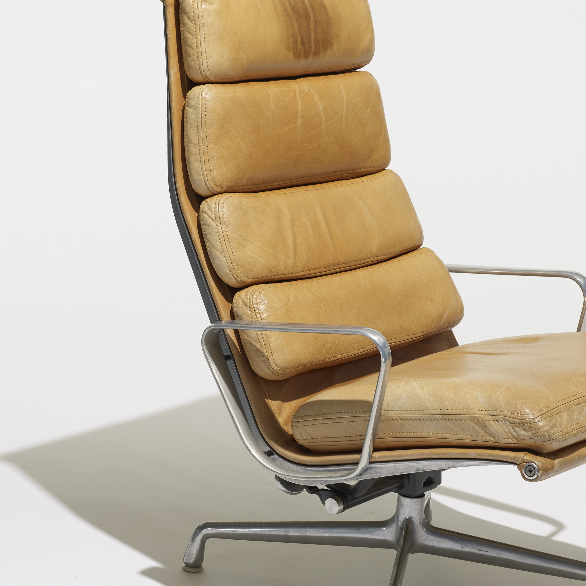 ... 247: Charles And Ray Eames / Soft Pad Lounge Chair (3 Of 3)