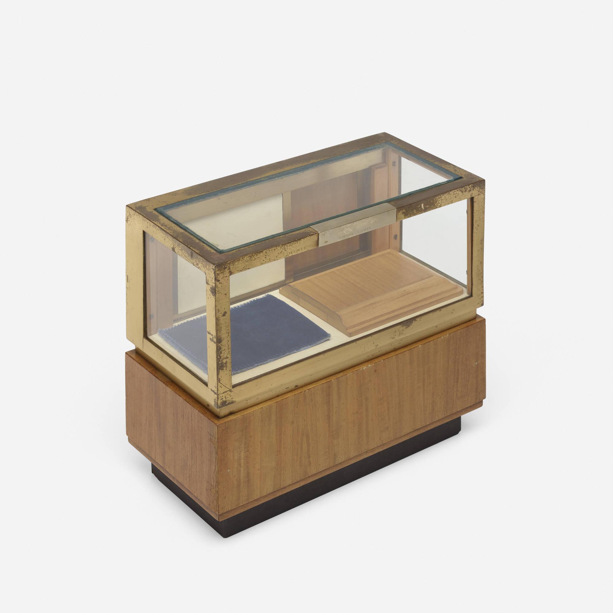 248: American / salesman's sample vitrine (1 of 2)