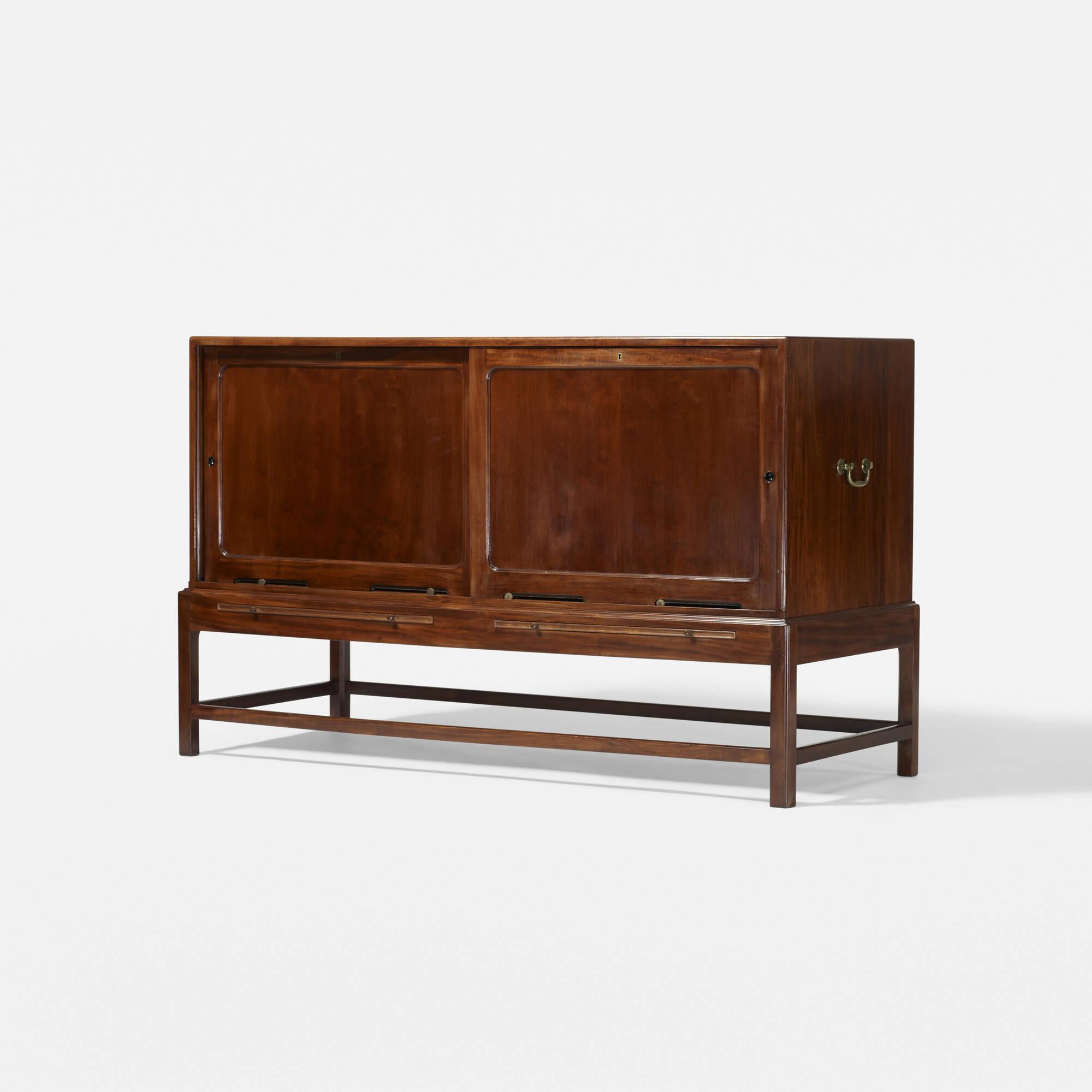 248: Kaare Klint / cabinet, model 4122 (2 of 3)