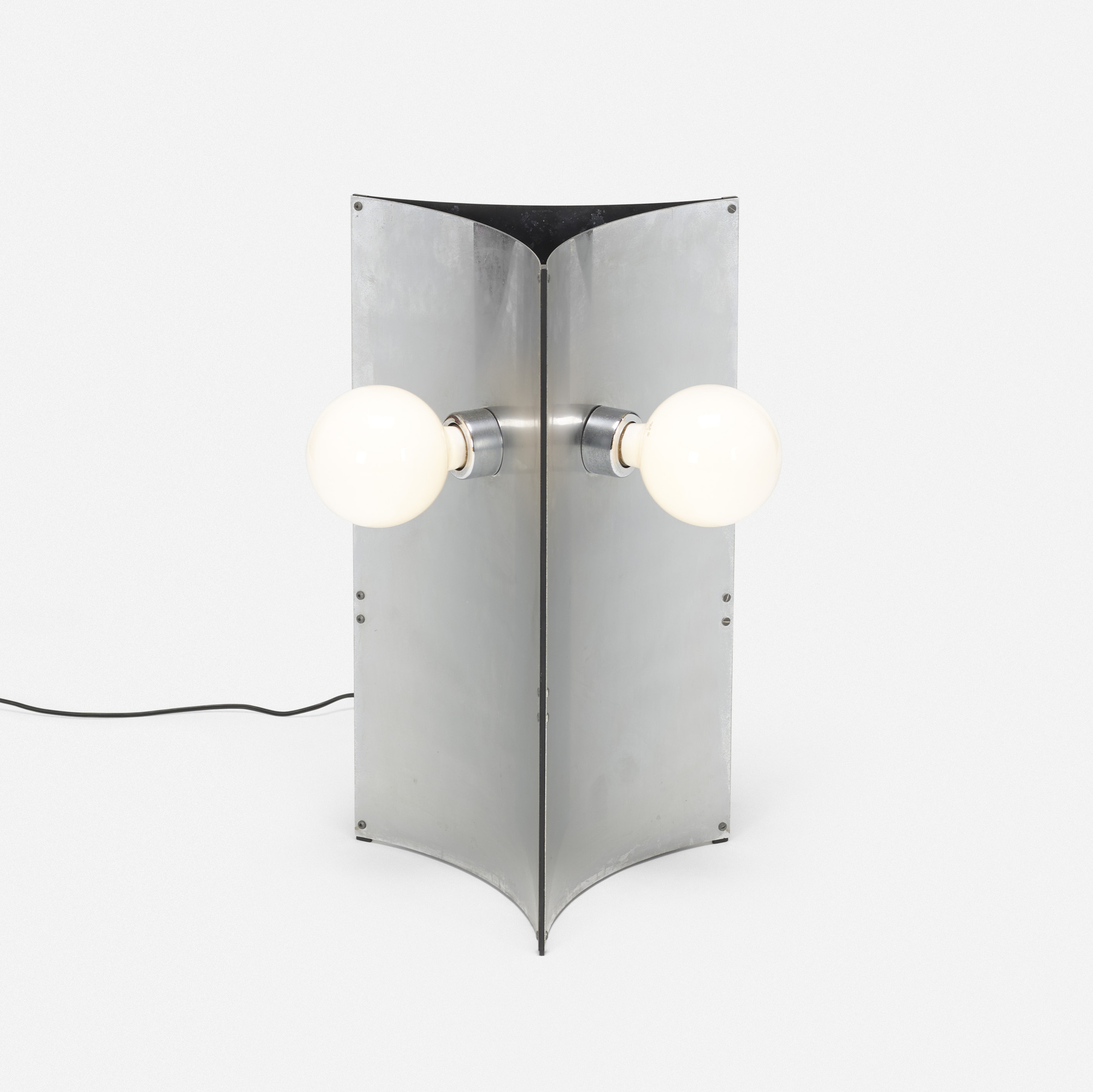 257: Massimo Vignelli and Gino Sarfatti / table lamp, model 526/nt (1 of 2)