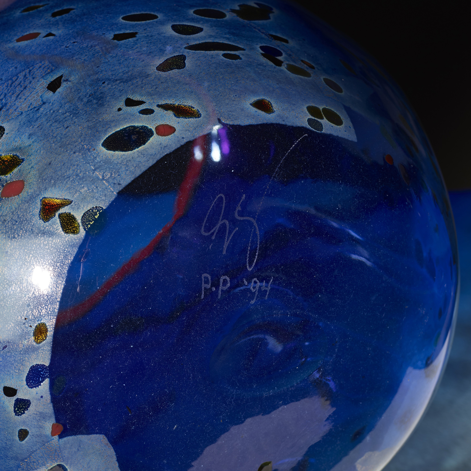 257: Dale Chihuly / Cobalt Blue Basket with Red Lip Wrap (3 of 3)