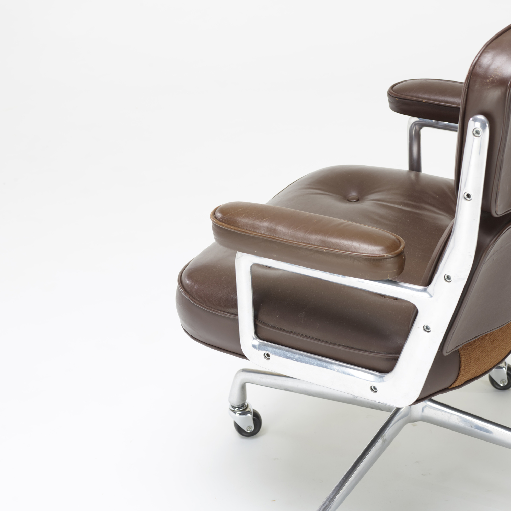 258: Charles and Ray Eames / Time Life armchair (3 of 3)