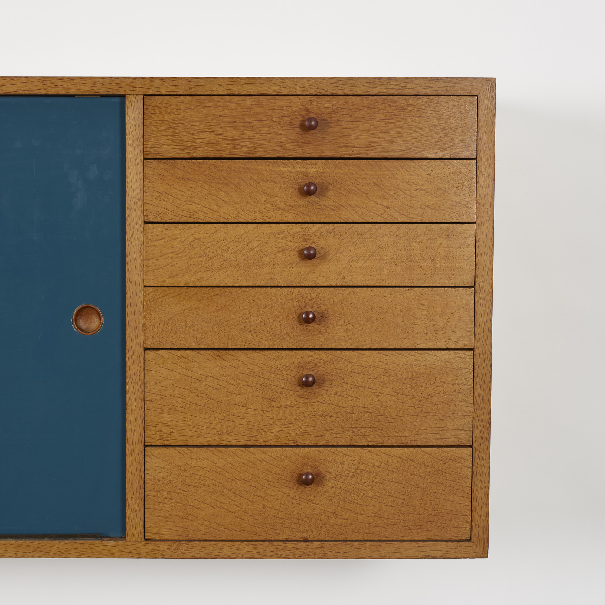 263: Arne Vodder / wall-mounted cabinet (3 of 3)