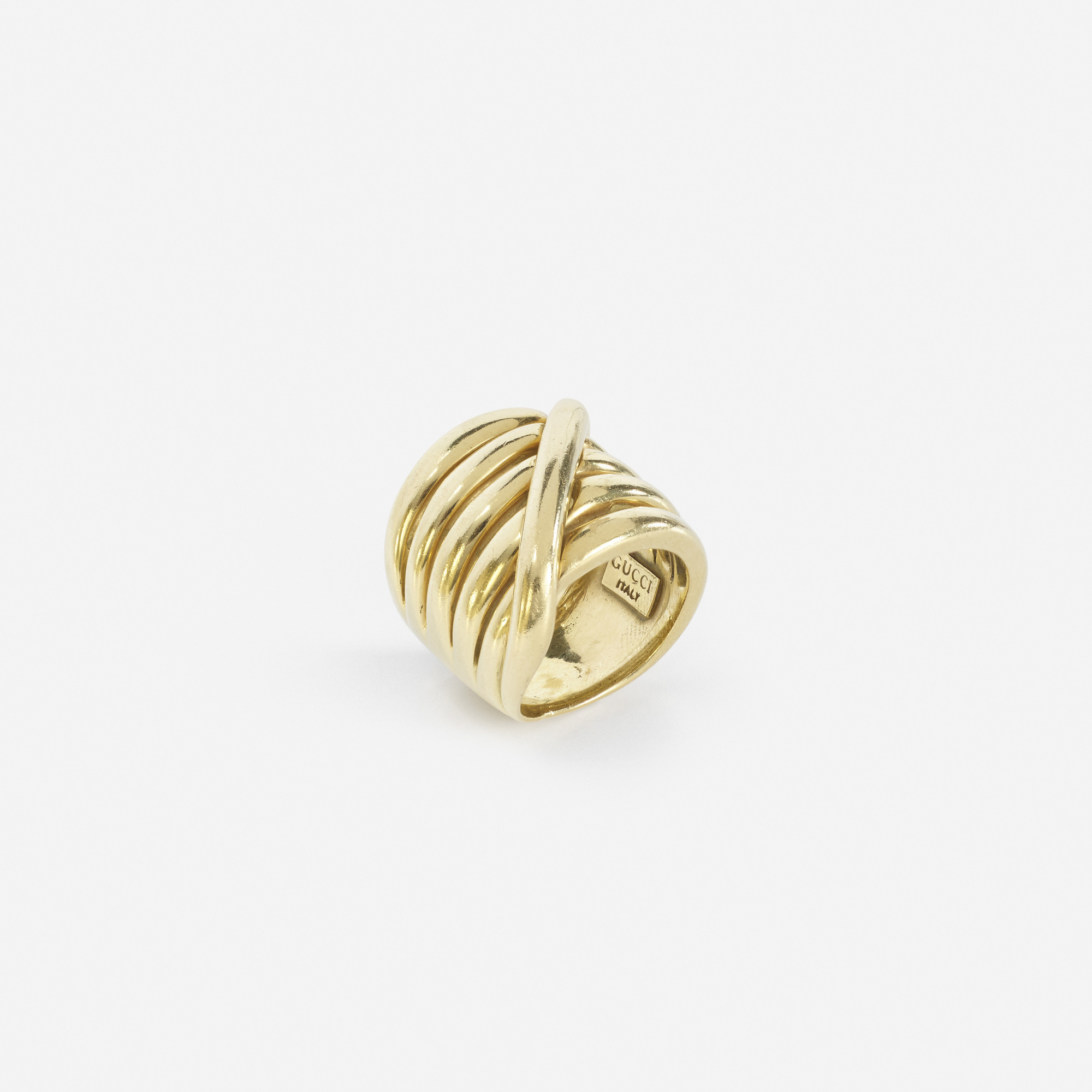 264: Gucci / A gold ring (1 of 2)