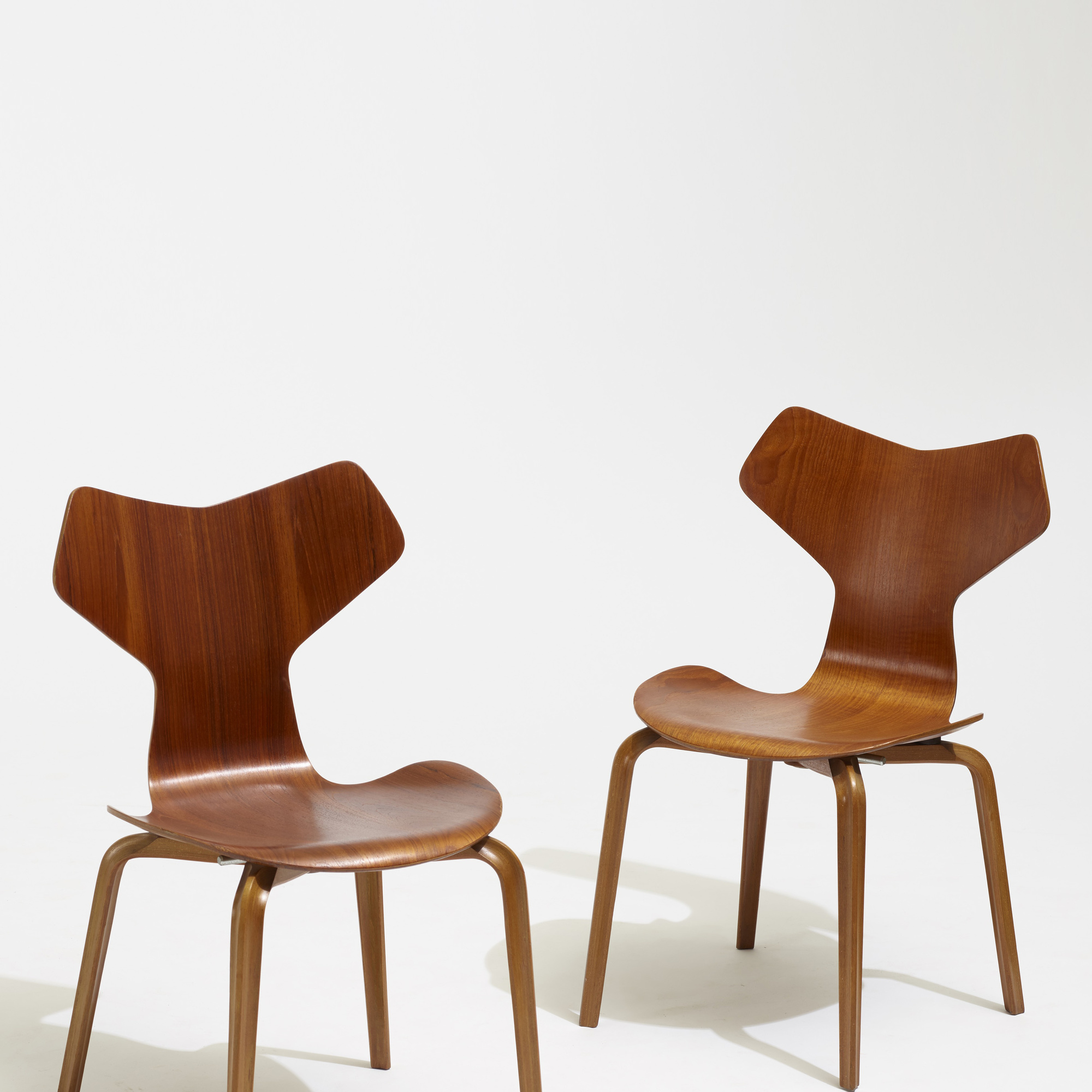 264 Arne Jacobsen Grand Prix Dining Chairs Set Of Four 3