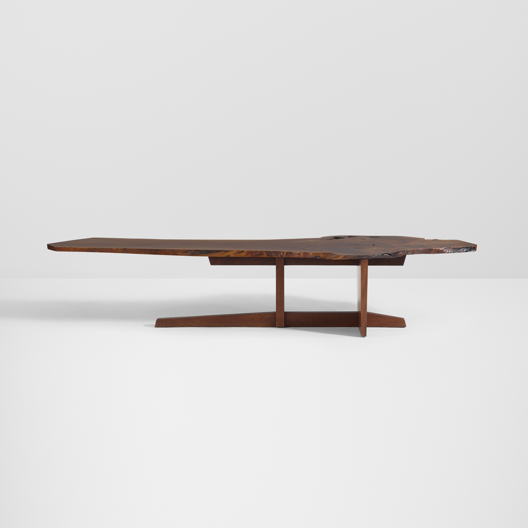 26: George Nakashima / Important Minguren II coffee table (2 of 4)