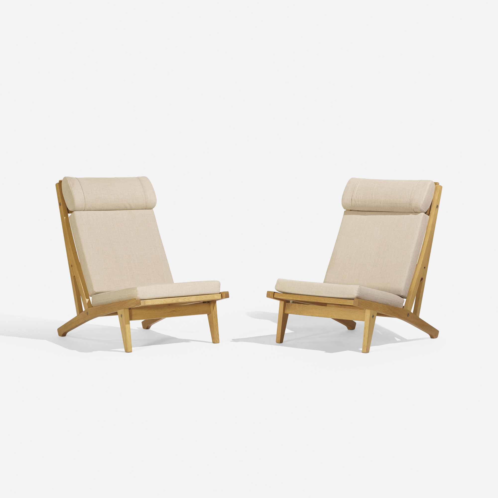 270: Hans J. Wegner / lounge chairs model GE375, pair (2 of 3)