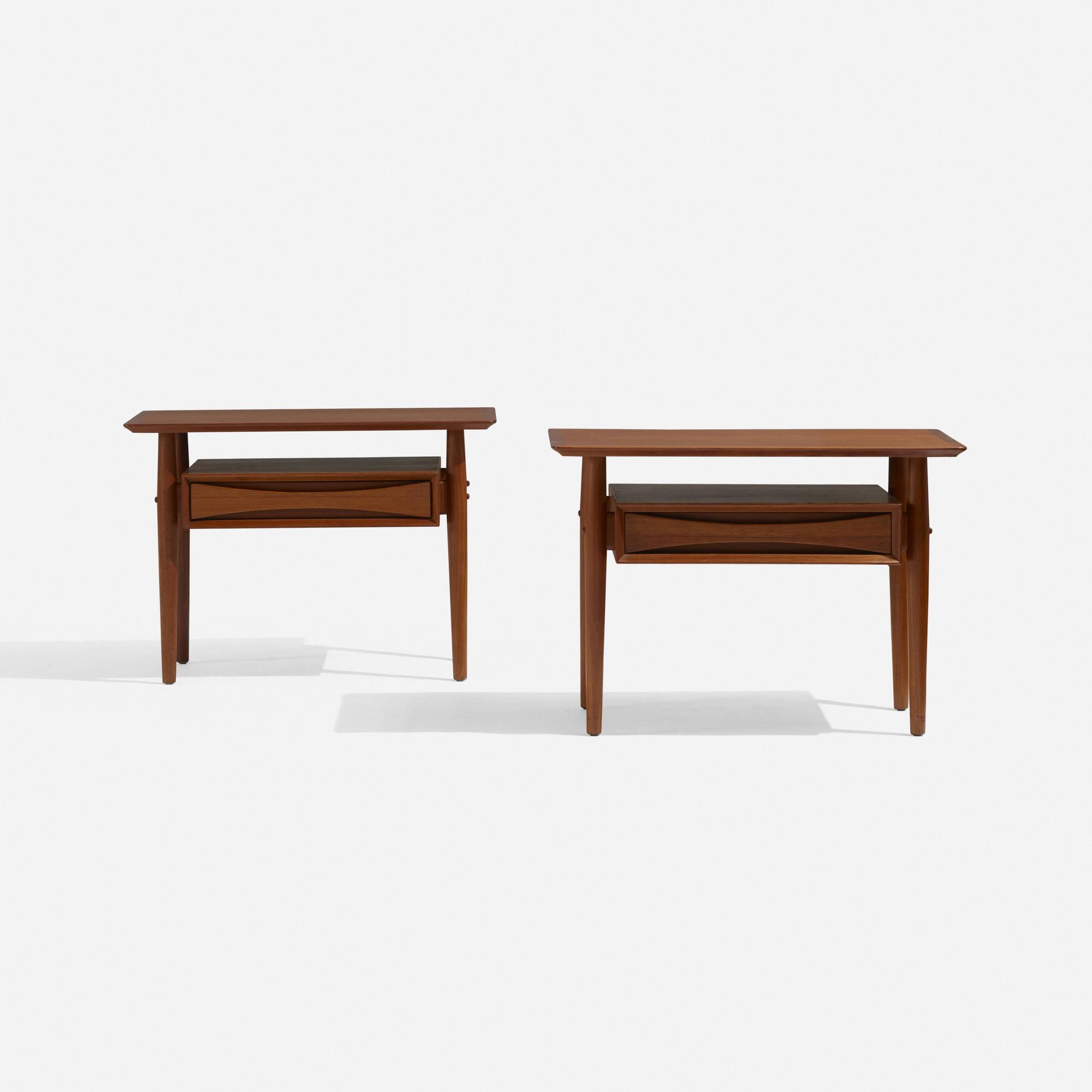 270: Arne Vodder / nightstands, pair (2 of 3)