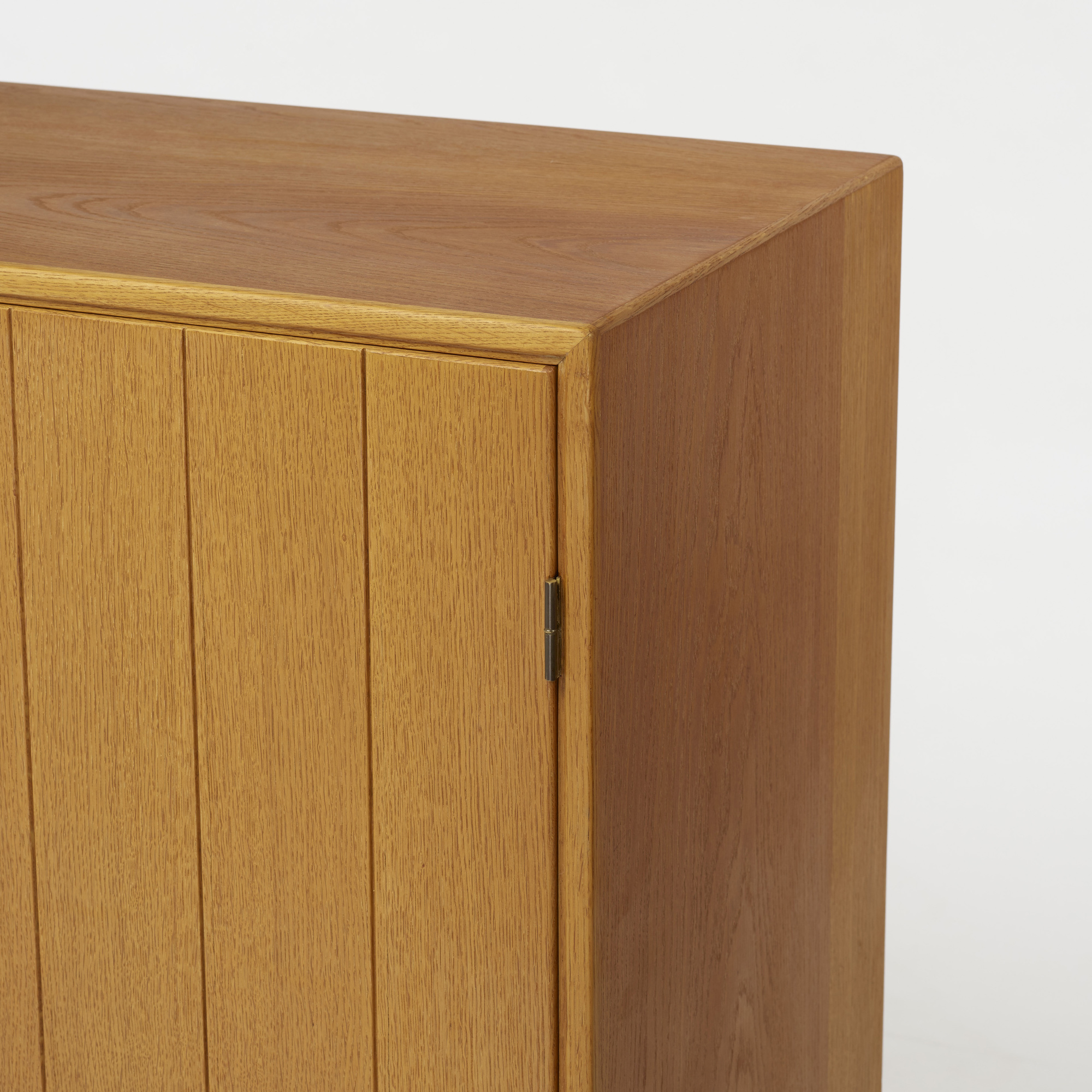 271: Kurt Østervig / cabinet (4 of 5)