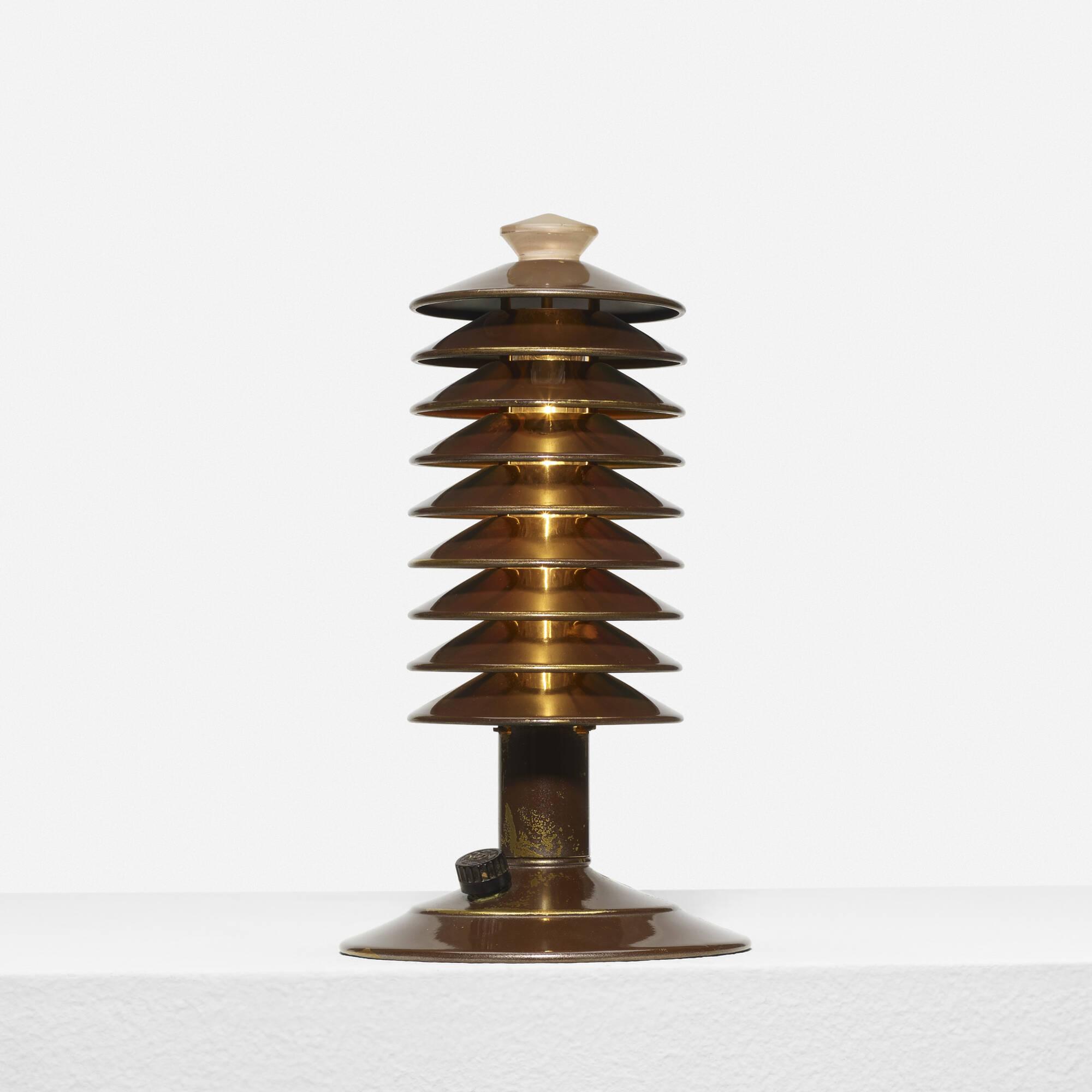 272: Walter von Nessen / table lamp (1 of 1)