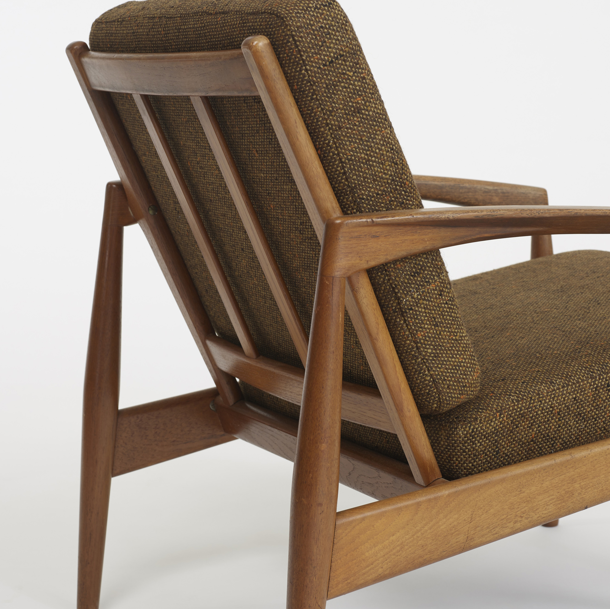 274: Kai Kristiansen / pair of lounge chairs, model 121 (2 of 4)
