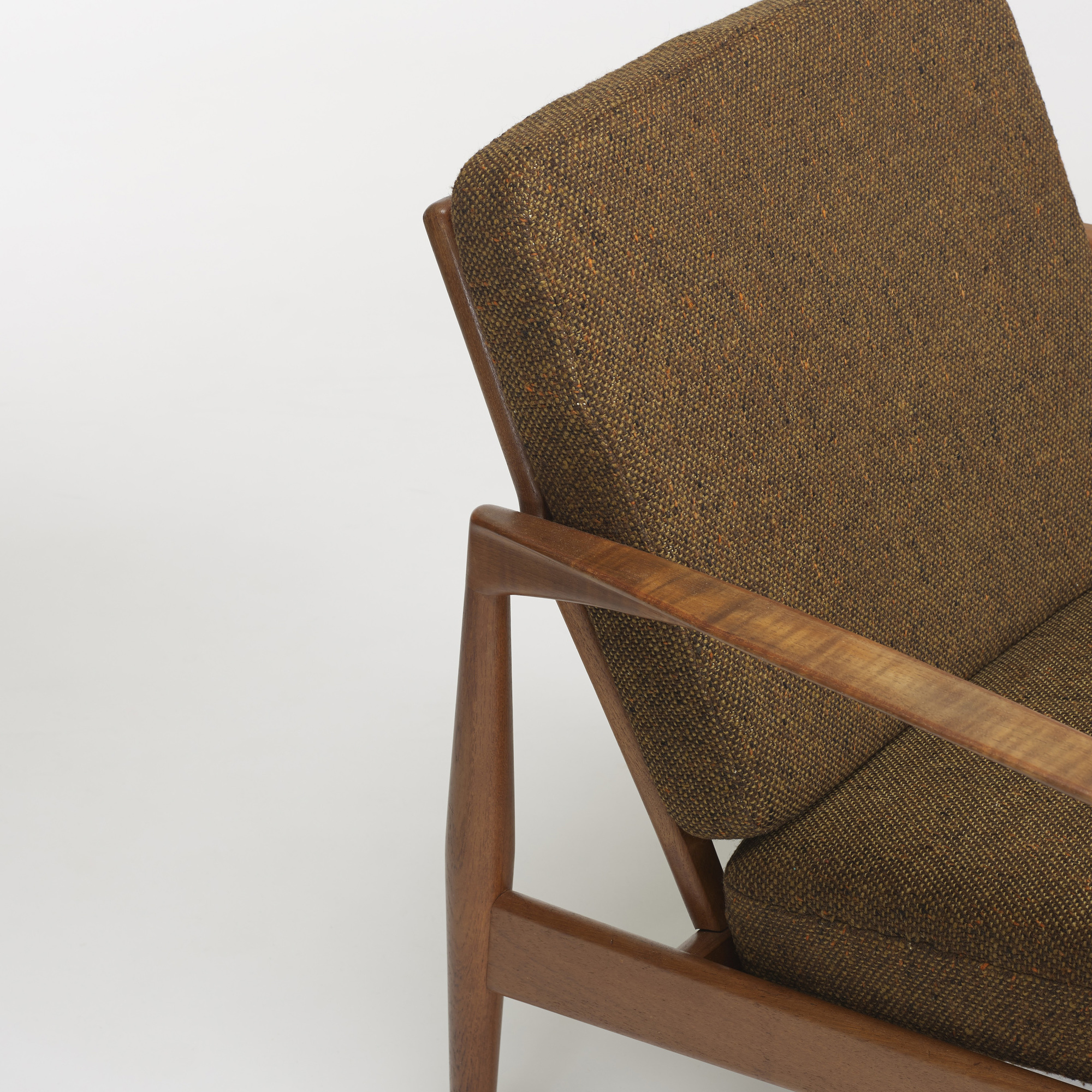 274: Kai Kristiansen / pair of lounge chairs, model 121 (3 of 4)