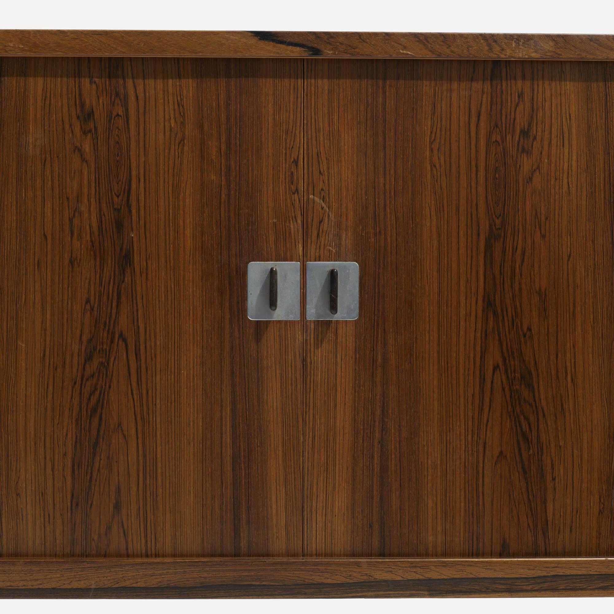 277: Hans J. Wegner / cabinet, model RY25 (4 of 4)