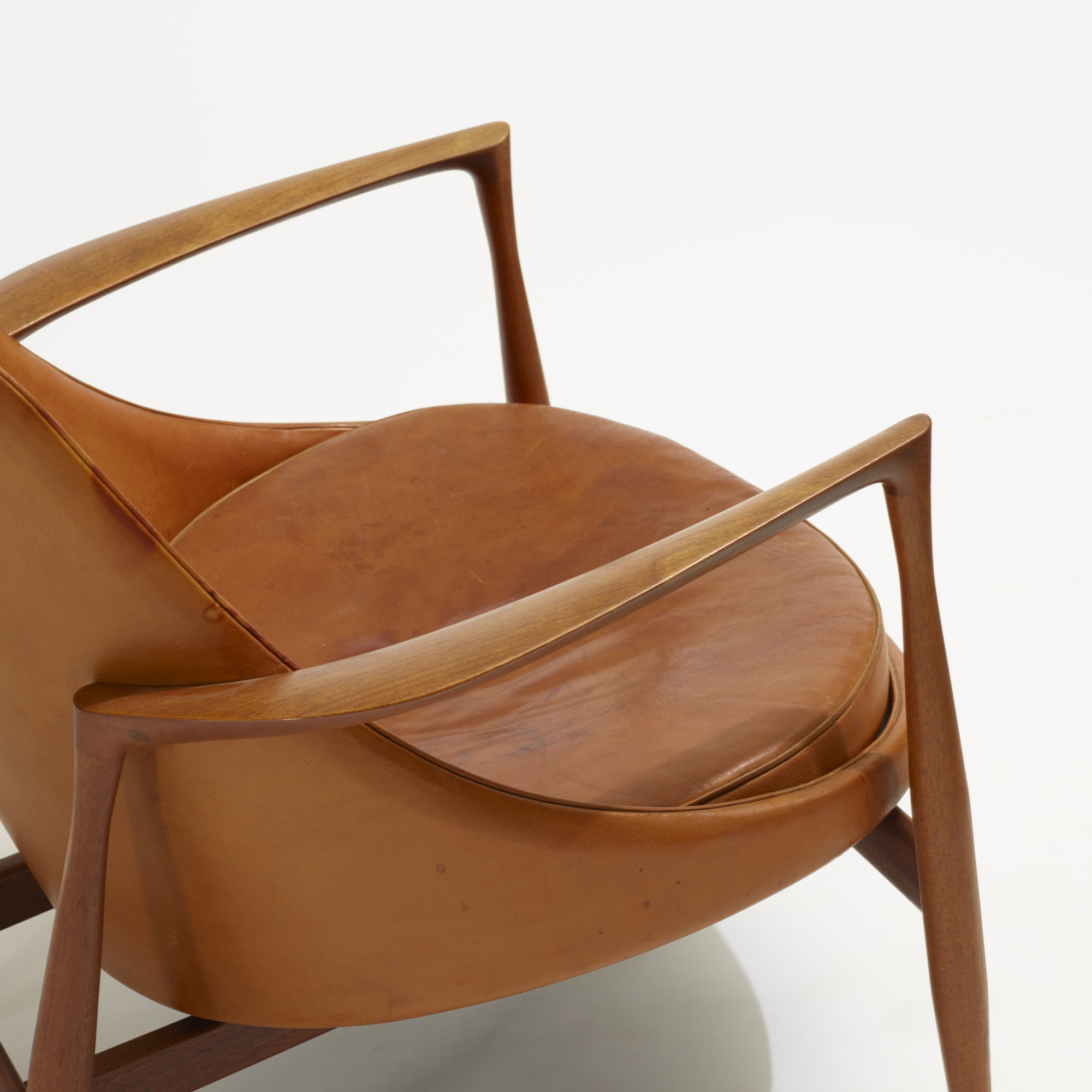 283: Ib Kofod-Larsen / Elizabeth chair (3 of 3)