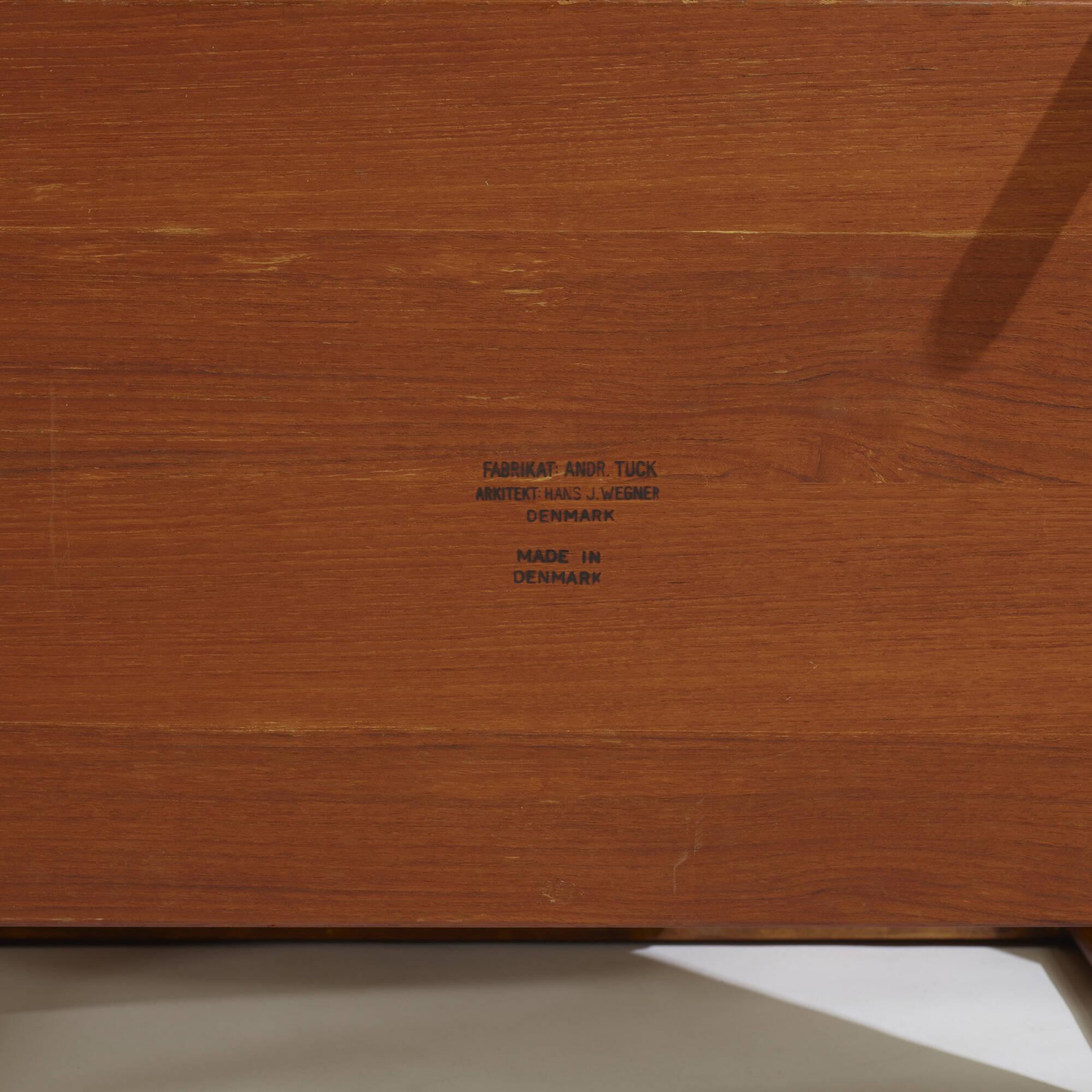 287: Hans J. Wegner / sewing table, model AT 33 (3 of 3)