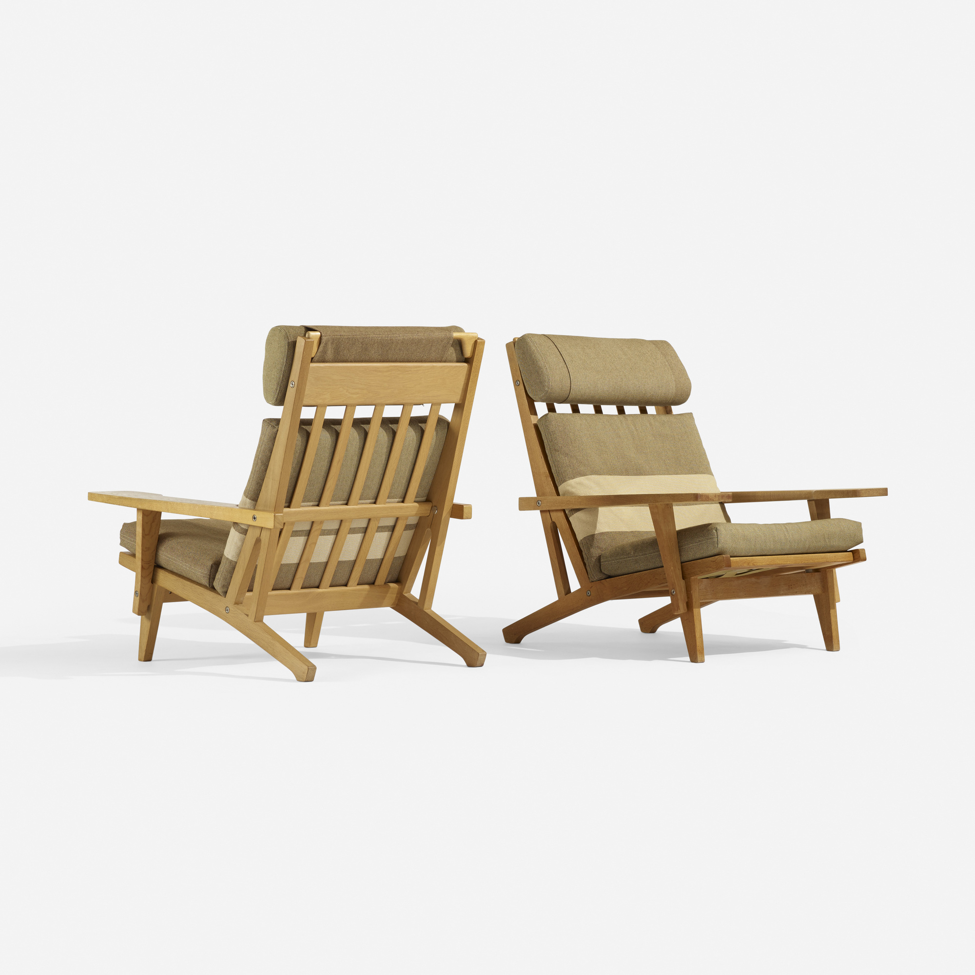 288: Hans J. Wegner / lounge chairs model GE375, pair (1 of 4)