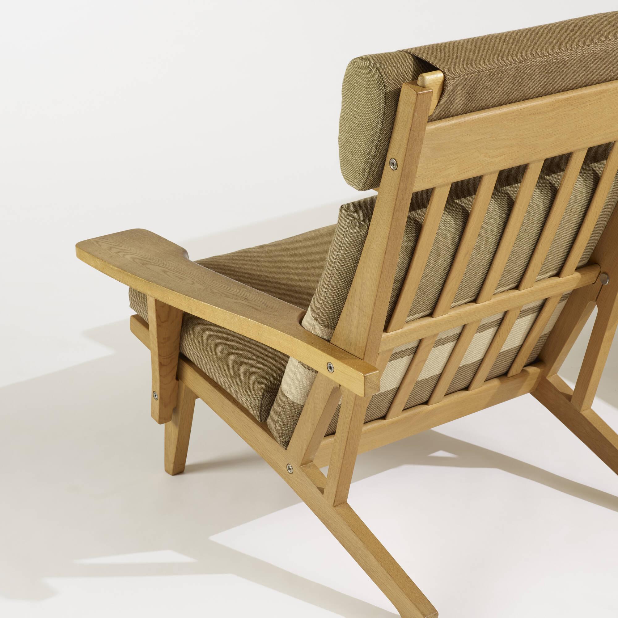 288: Hans J. Wegner / lounge chairs model GE375, pair (4 of 4)