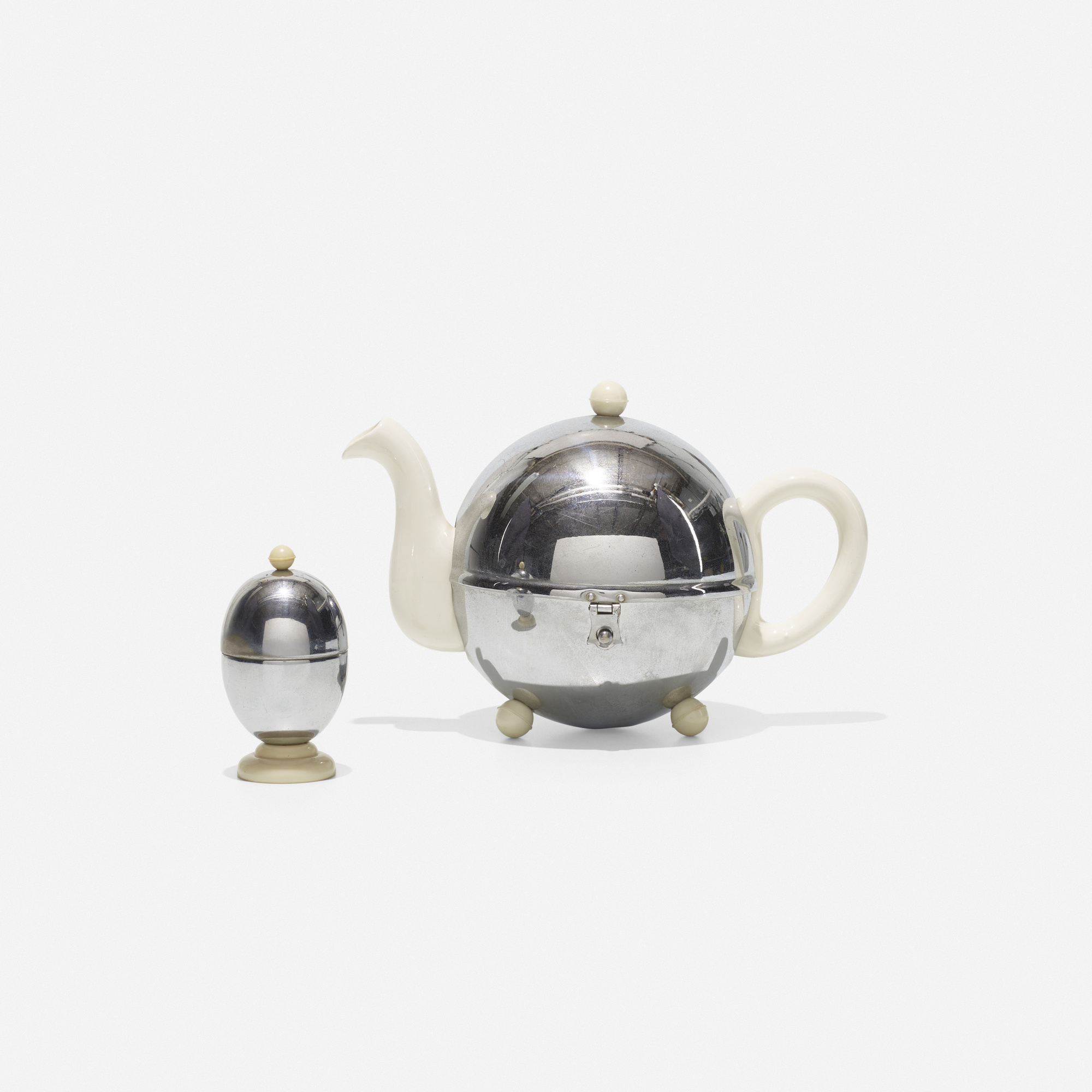 291: Ellgreave Pottery Co. Ltd. / Heatmaster teapot and egg cup (1 of 1)