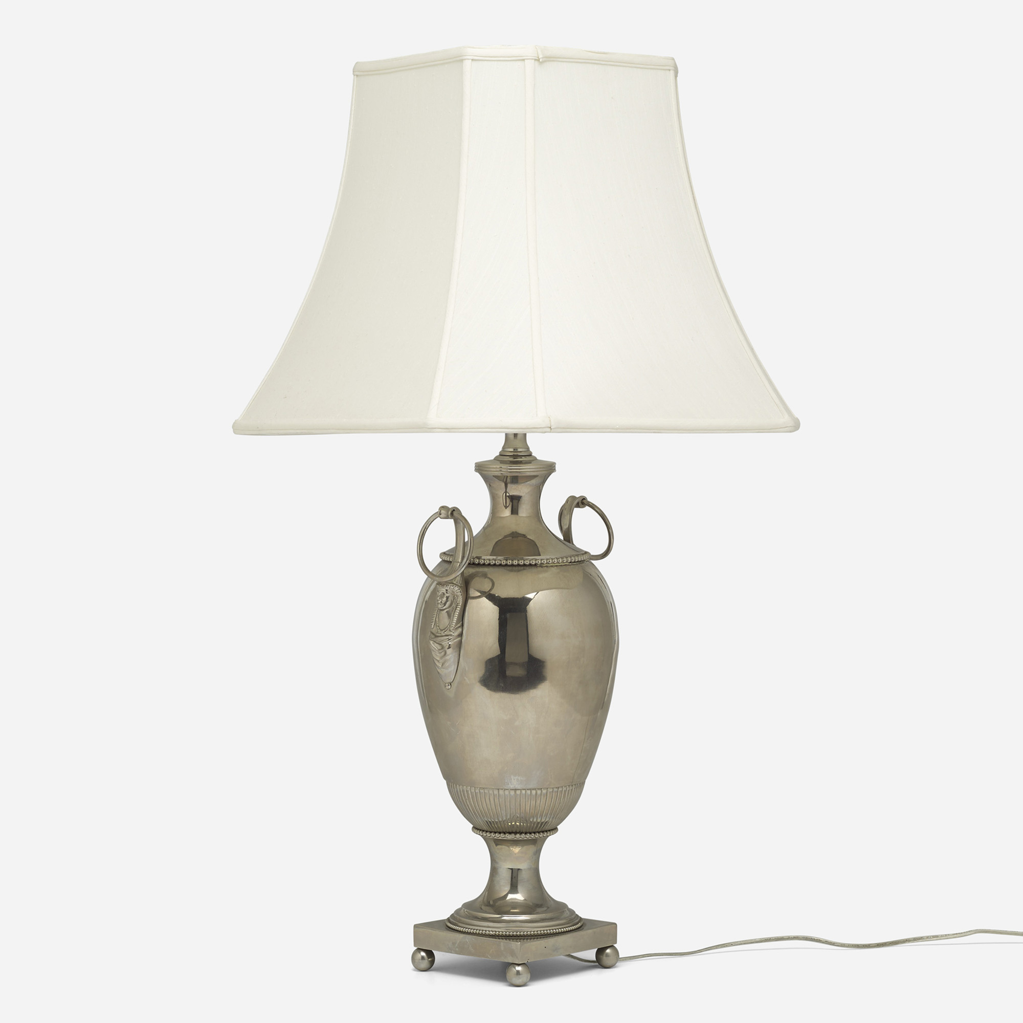 293: French / table lamp (1 of 2)