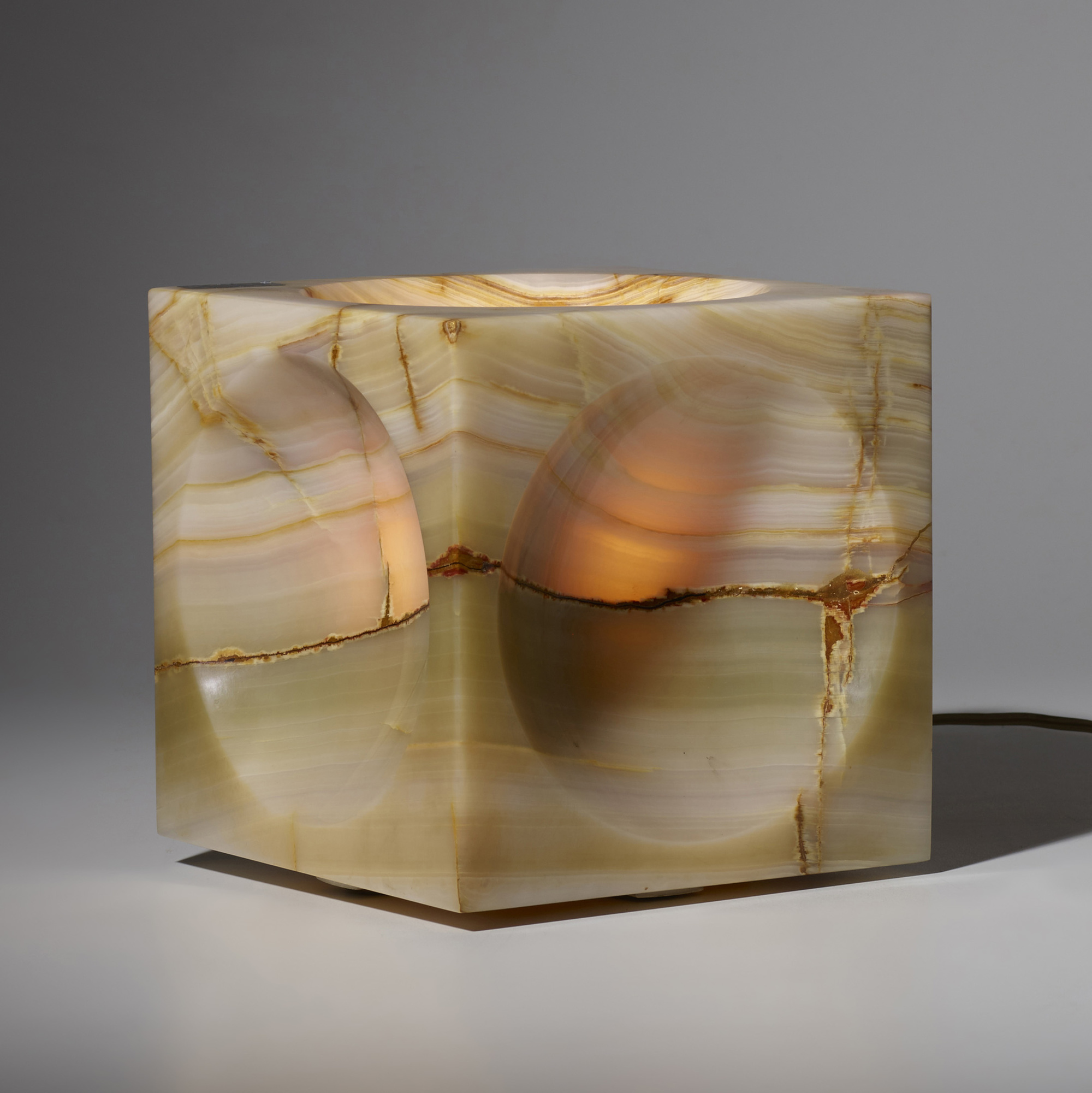 296: Angelo Mangiarotti / Cube table lamp (2 of 3)
