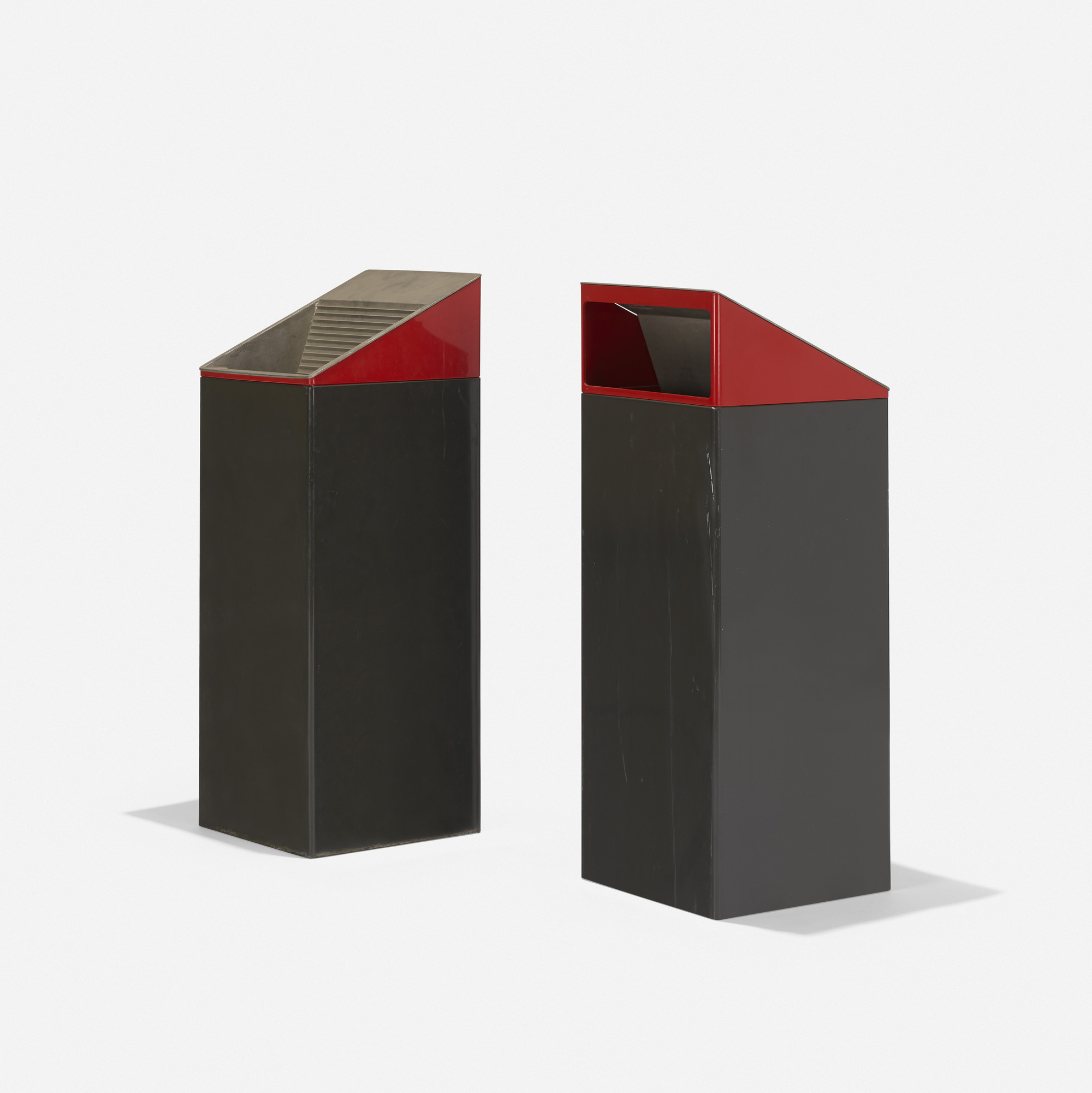 299: Kartell / wastebaskets, pair (1 of 3)