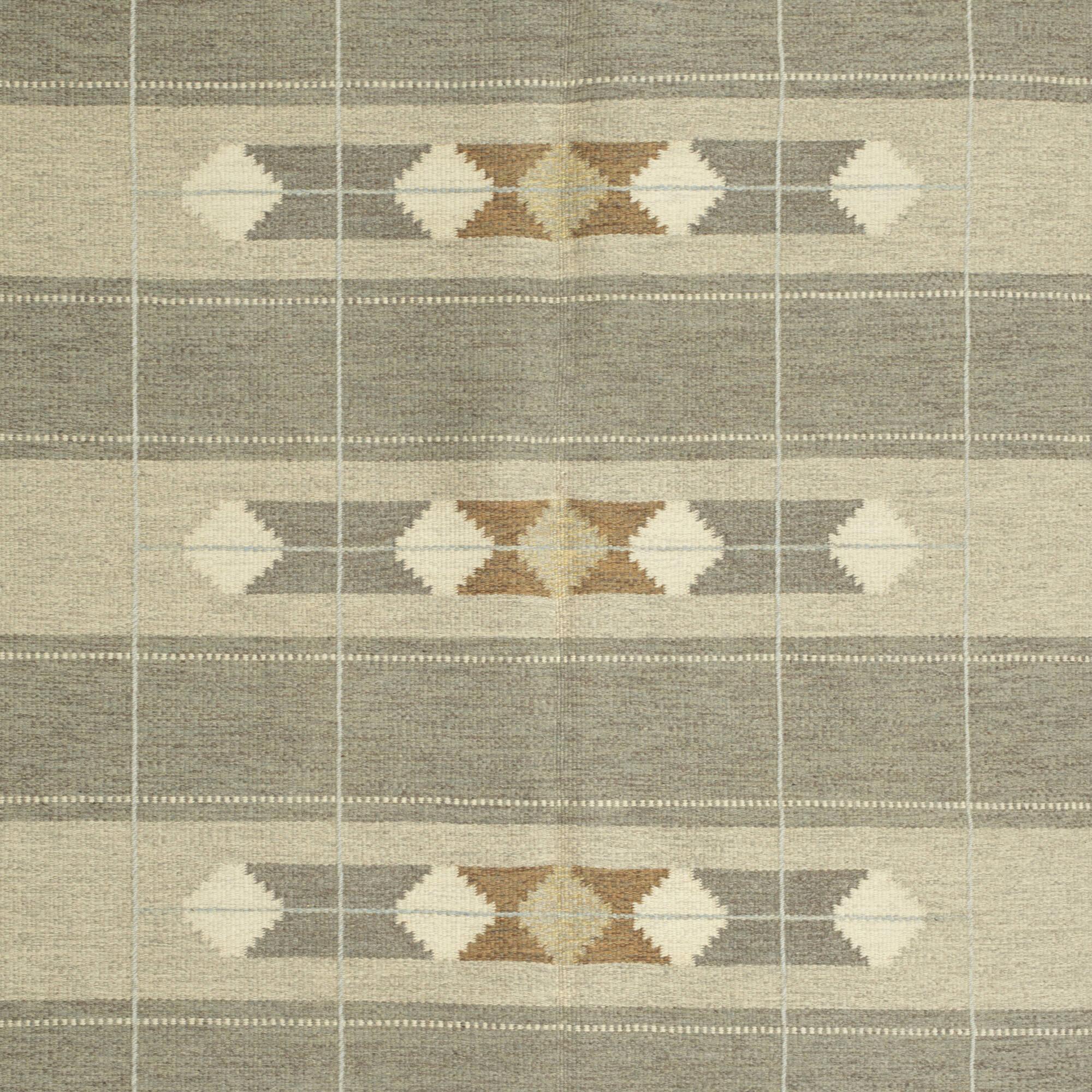 302: Swedish / flatweave carpet (2 of 2)