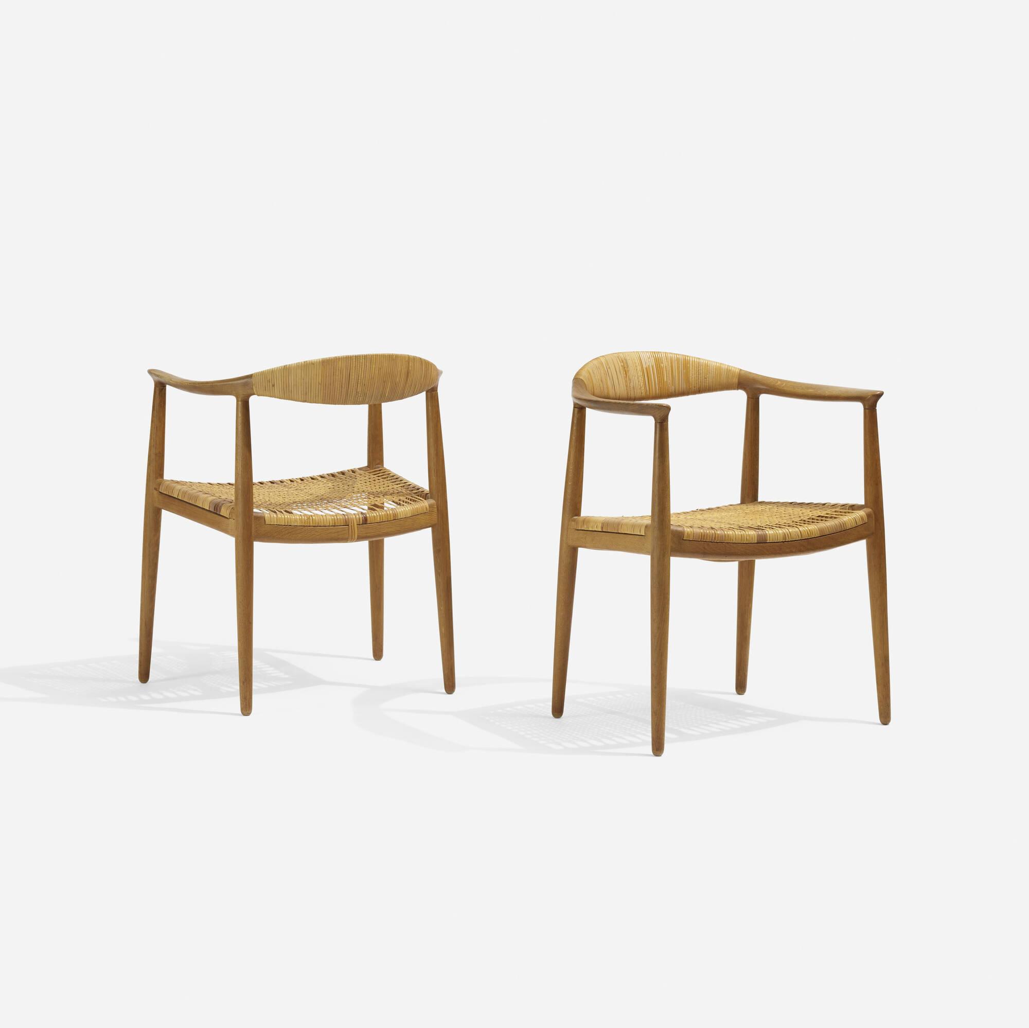 316: Hans J. Wegner / The Chairs, pair (2 of 3)