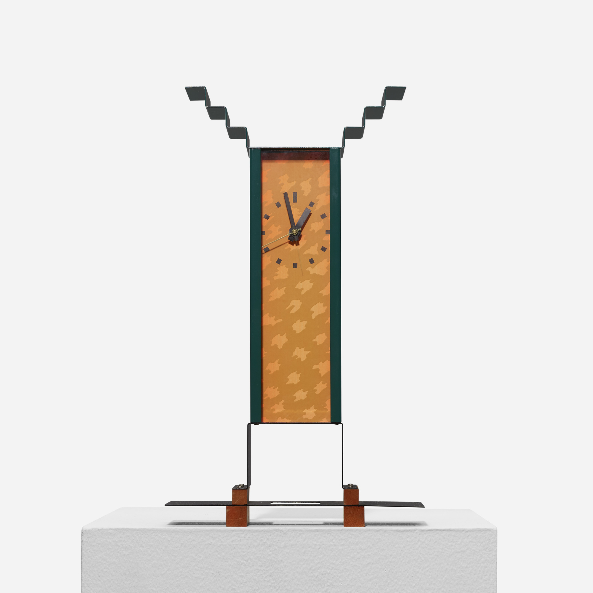 317: George Sowden / Oppenheimer table clock from Objects for the Electronic Age (1 of 4)