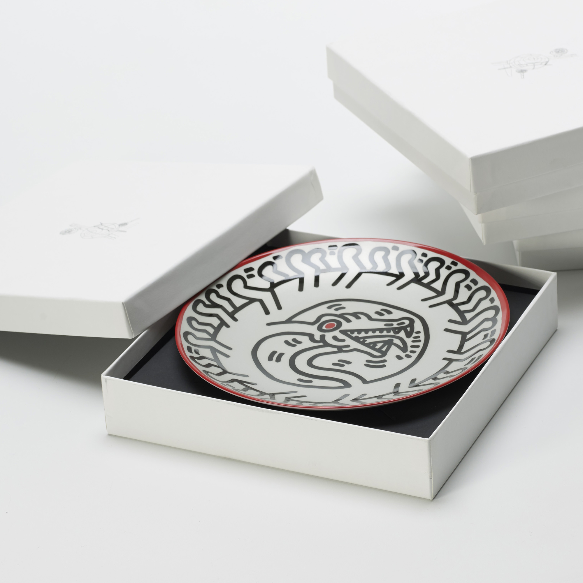 317: Keith Haring / plates, set of four (2 of 3)