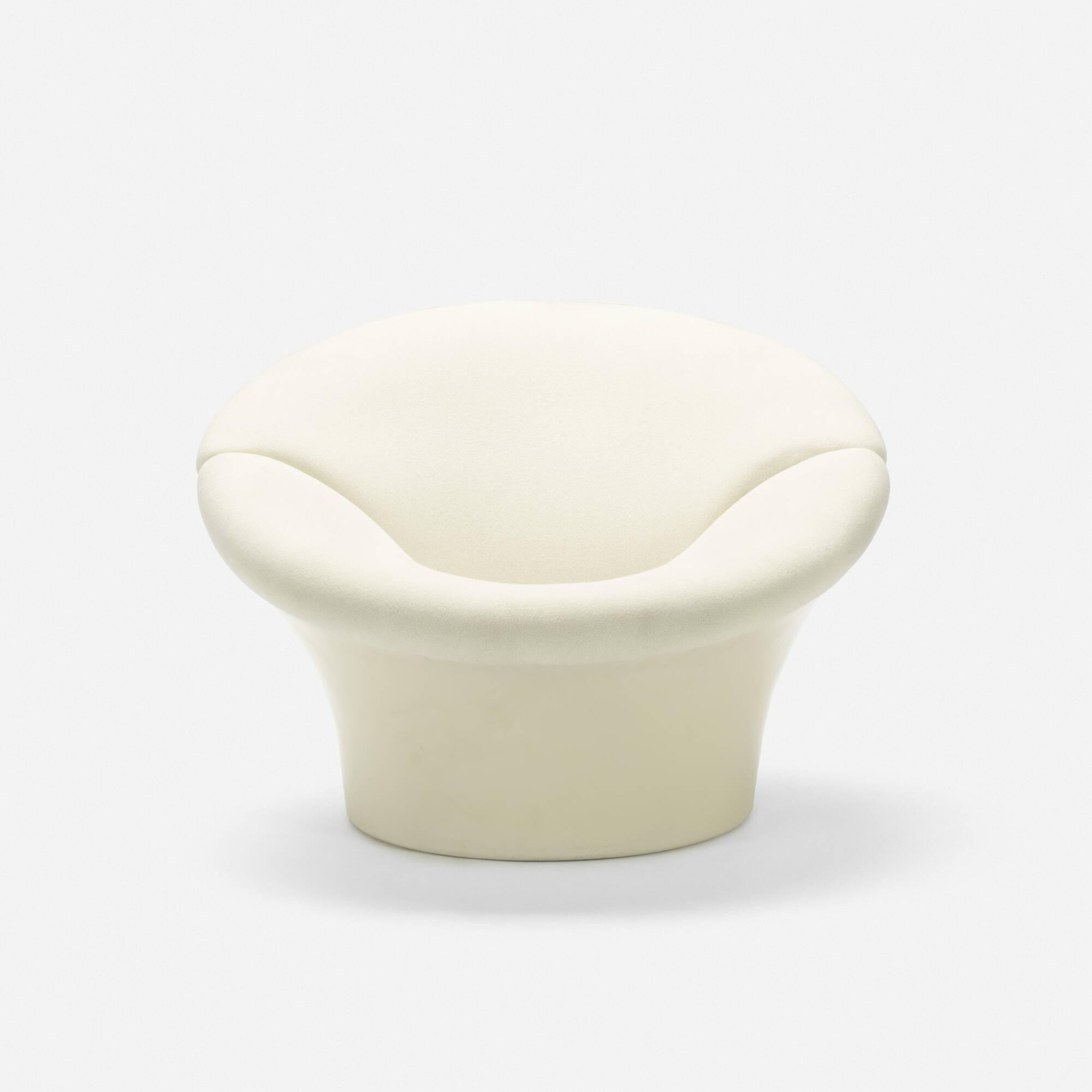 318: Pierre Paulin / rare Voulu comme un Baiser chair, model 315 (1 of 3)