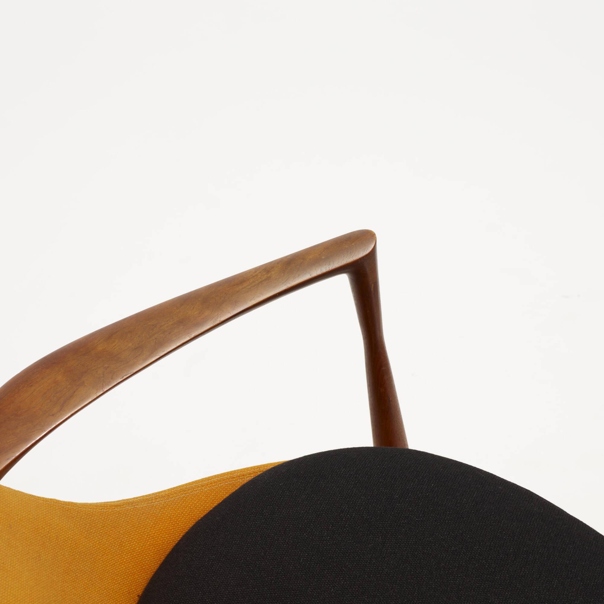 318: Ib Kofod-Larsen / Elizabeth chairs, pair (3 of 4)