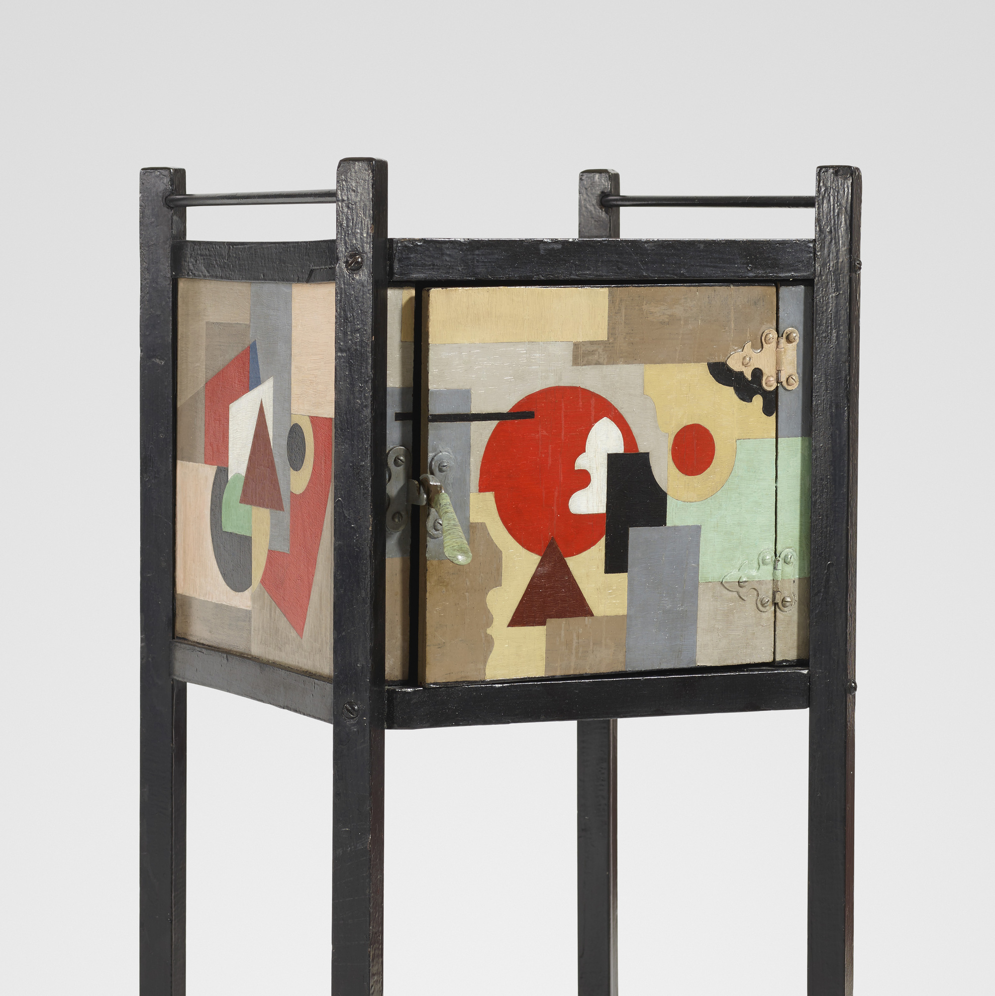 31: Paul Kelpe / A Unique Pipe cabinet (3 of 3)