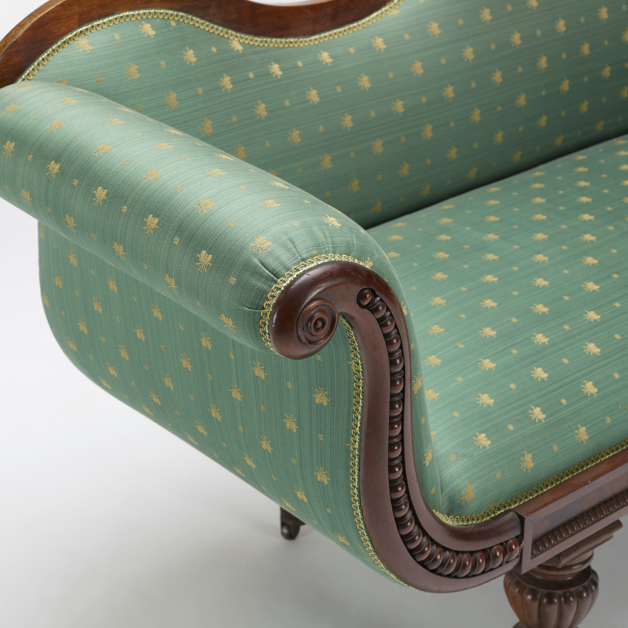 322: 19th Century / Gondola sofa (3 of 3)