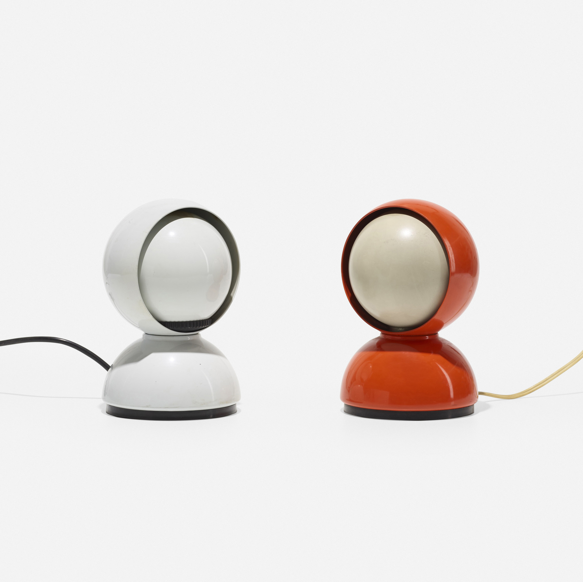 323: Vico Magistretti / Eclisse table lamps, pair (2 of 3)