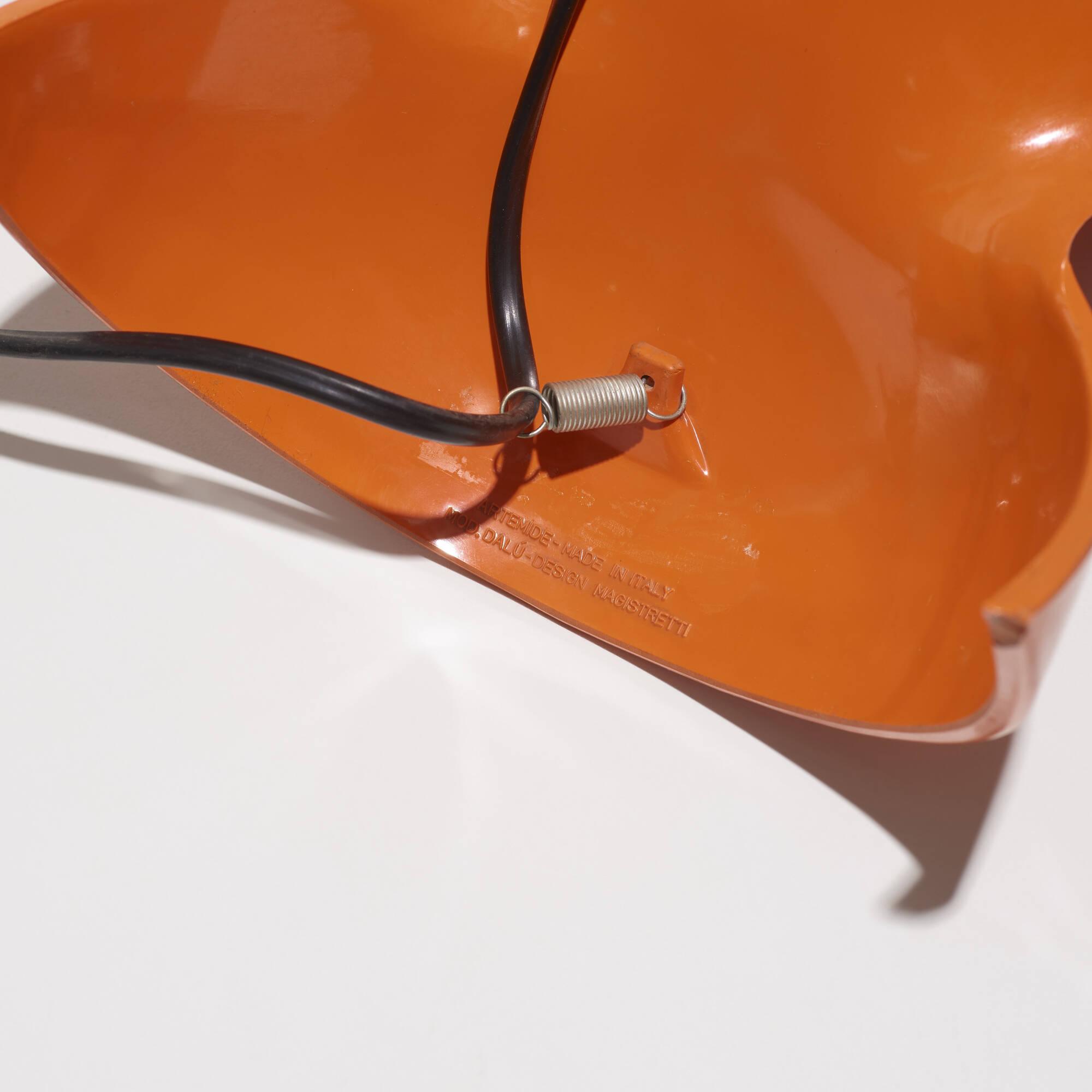 328: Vico Magistretti / Dalu table lamp (2 of 2)