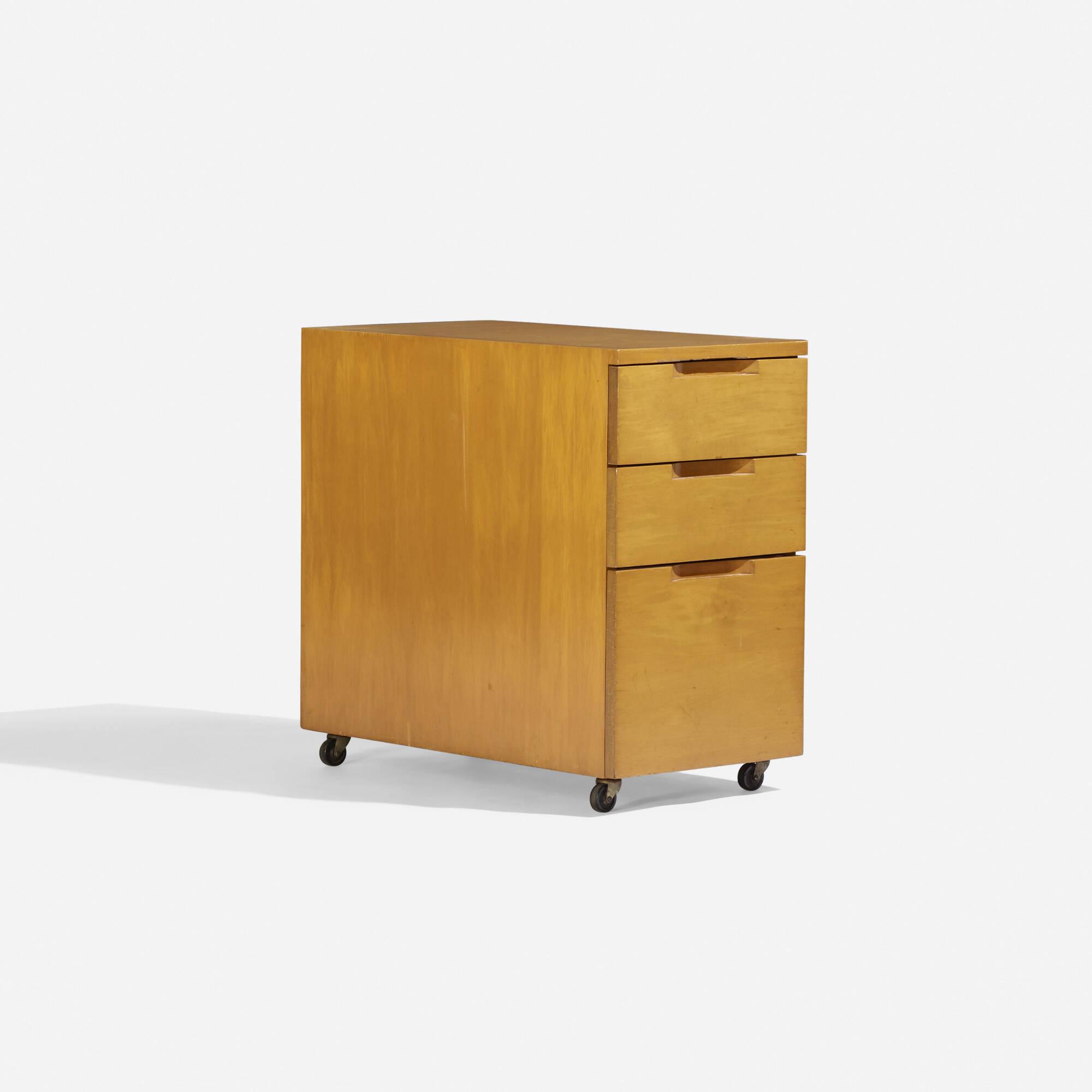329: Alvar Aalto / cabinet (1 of 1)