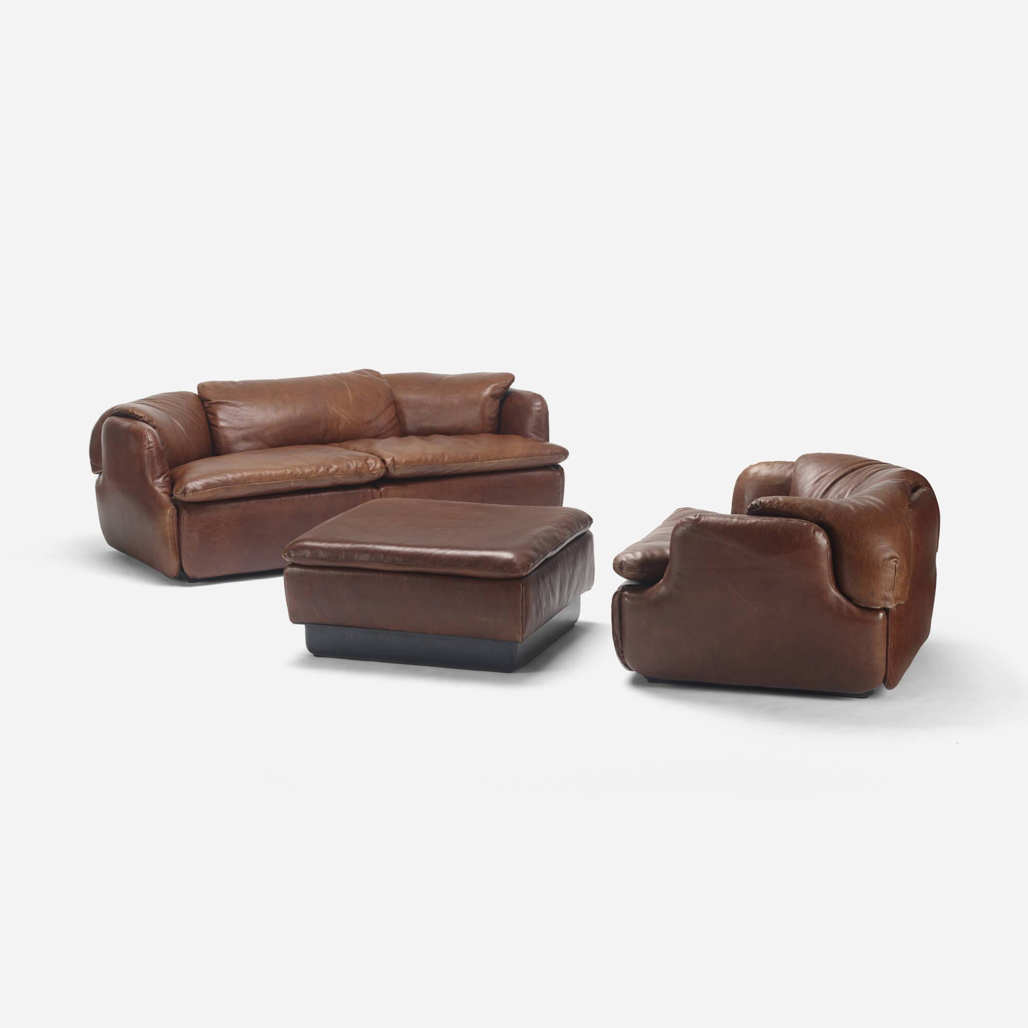 332: Alberto Roselli / Confidential seating suite (1 of 2)