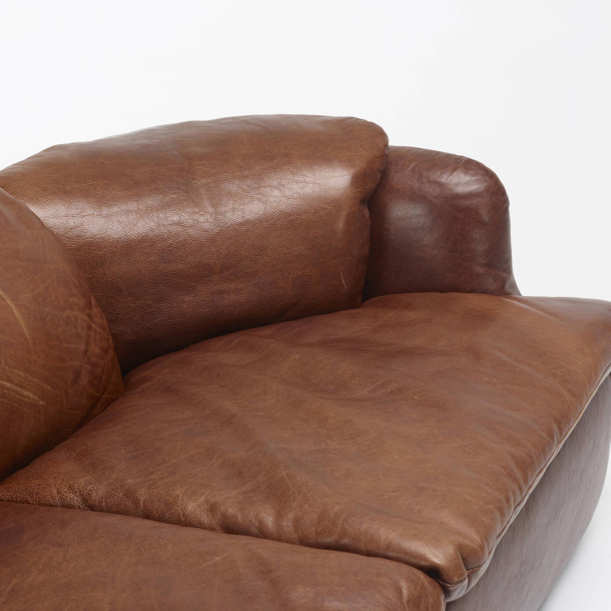 332: Alberto Roselli / Confidential seating suite (2 of 2)
