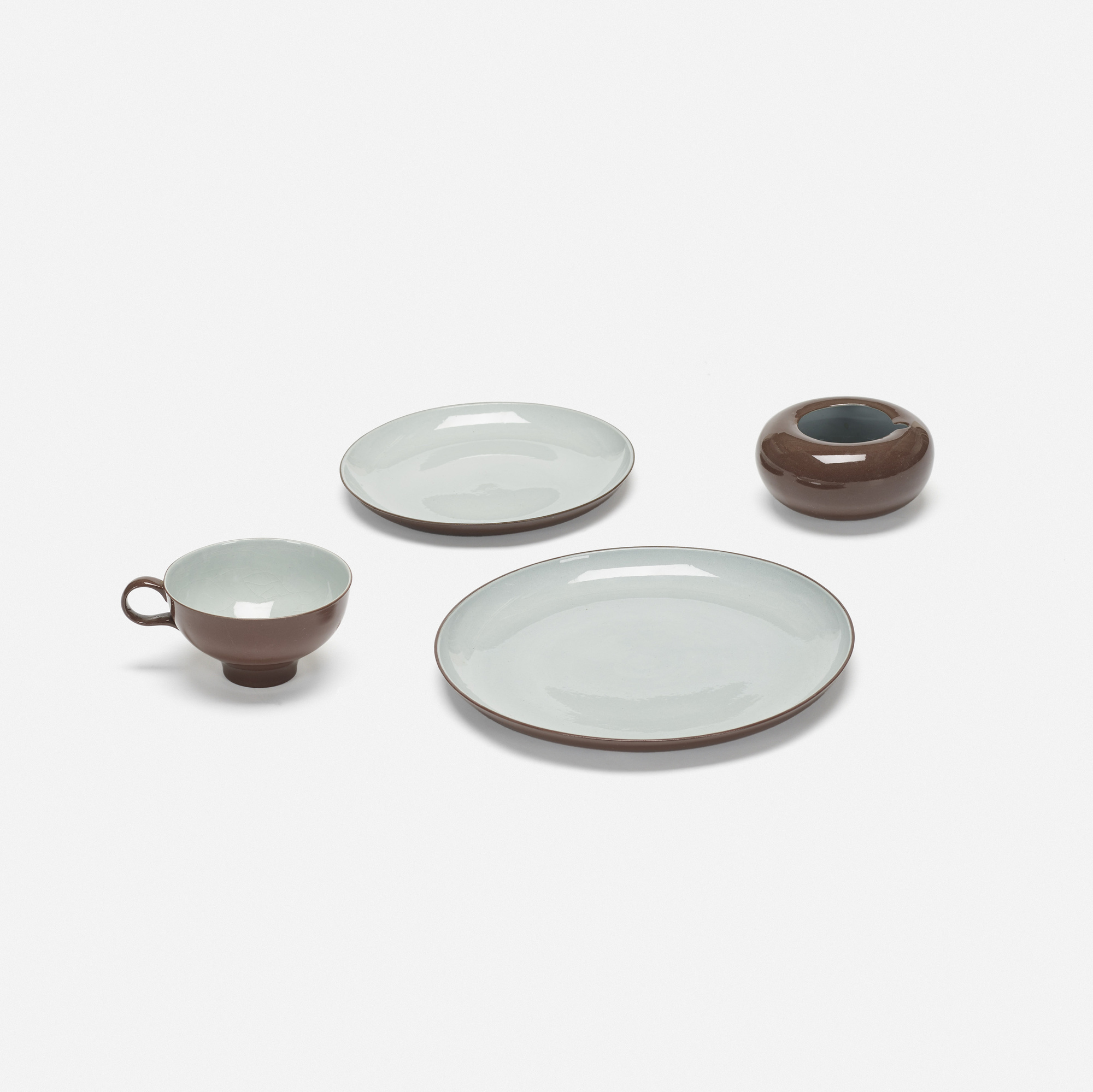 333: Eva Zeisel / collection of tableware (1 of 3)