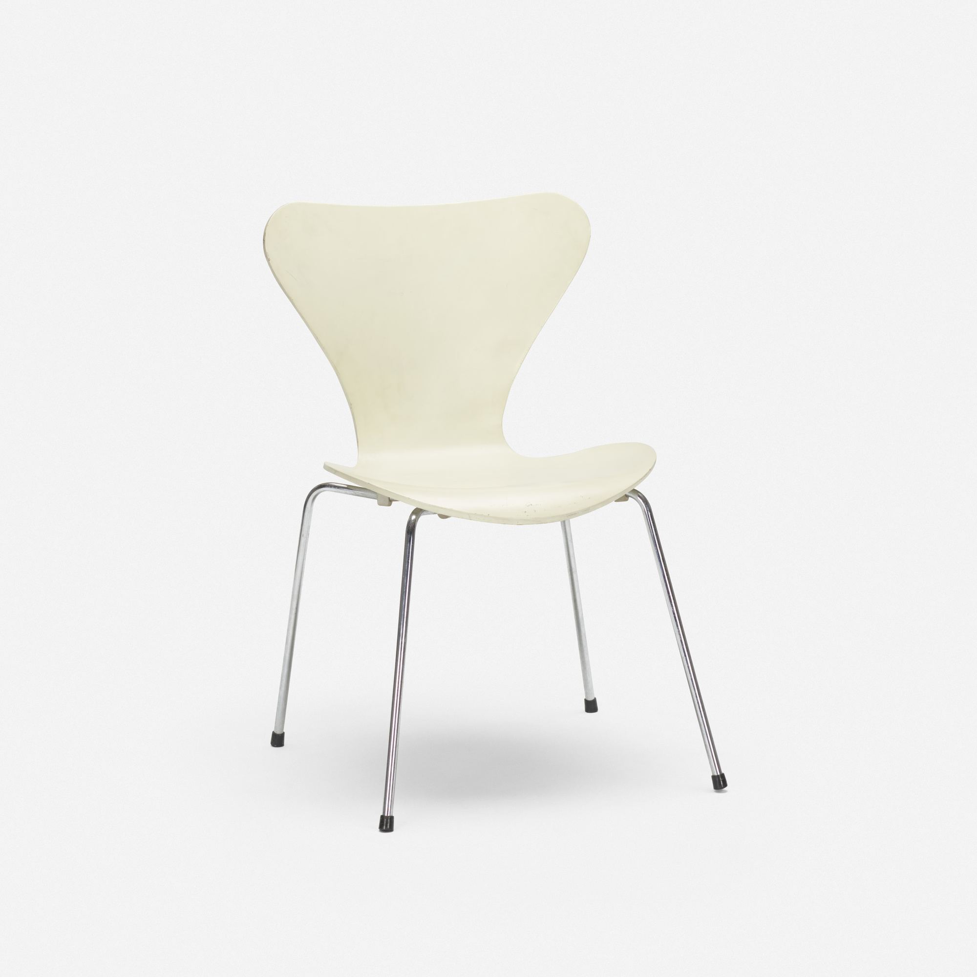 333 ARNE JACOBSEN 3107 Chair